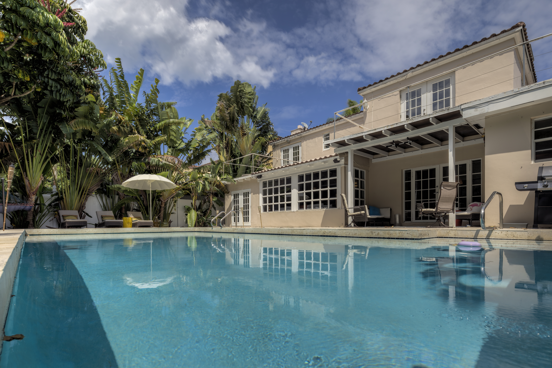 Casa para uma família para Venda às 5120 Alton Rd Miami Beach, Florida, 33140 Estados Unidos
