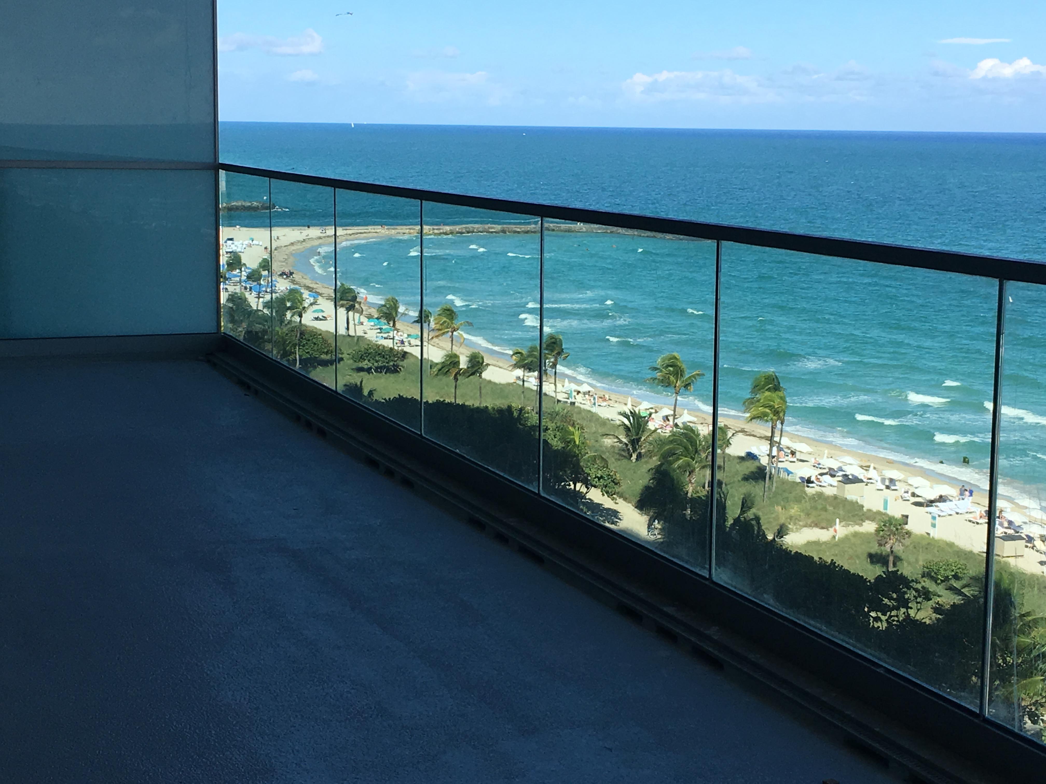 Condominio por un Venta en 10201 Collins Ave #1102N 10201 Collins Ave 1102N Bal Harbour, Florida, 33154 Estados Unidos