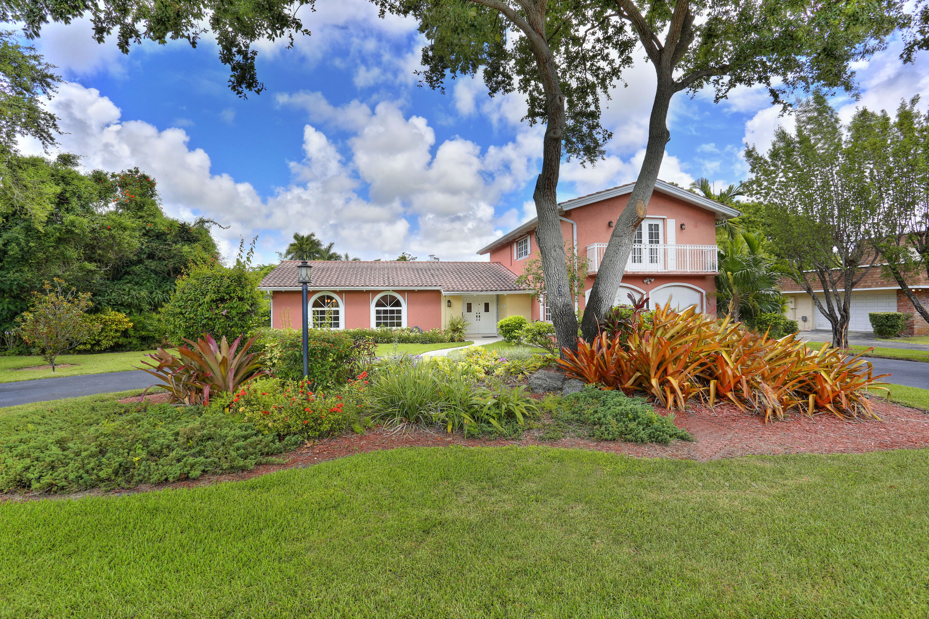 Single Family Home for Sale at 15122 Sw 74th Pl Palmetto Bay, Florida, 33158 United States