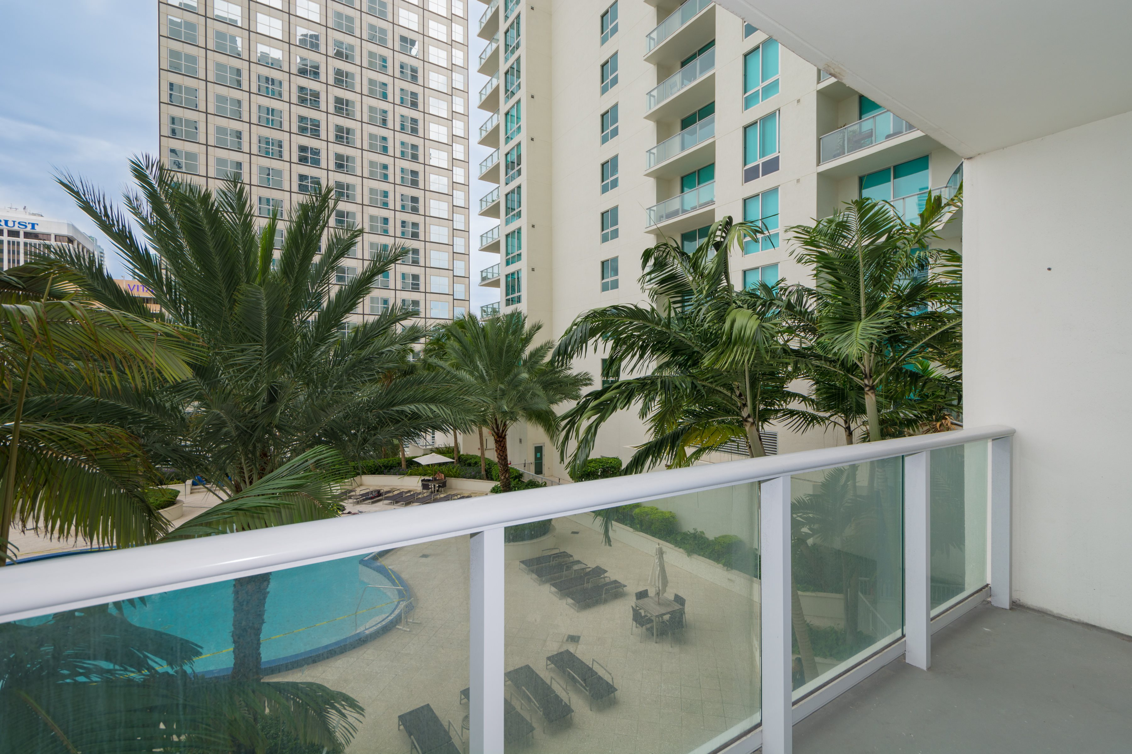 Condominium for Sale at 300 S Biscayne Bl #T-1403 300 S Biscayne Bl T-1403 Miami, Florida, 33131 United States