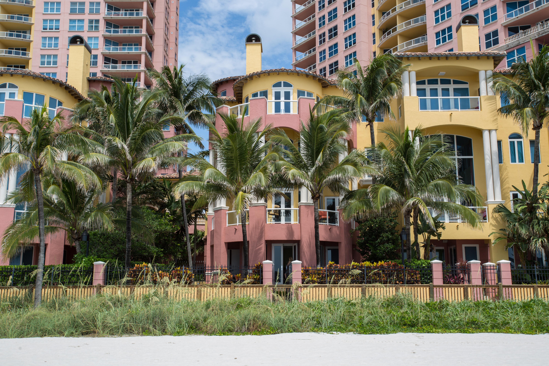 Maison accolée pour l Vente à 2140 N Ocean BlVd #V 2140 N Ocean Bld V Fort Lauderdale, Florida, 33305 États-Unis