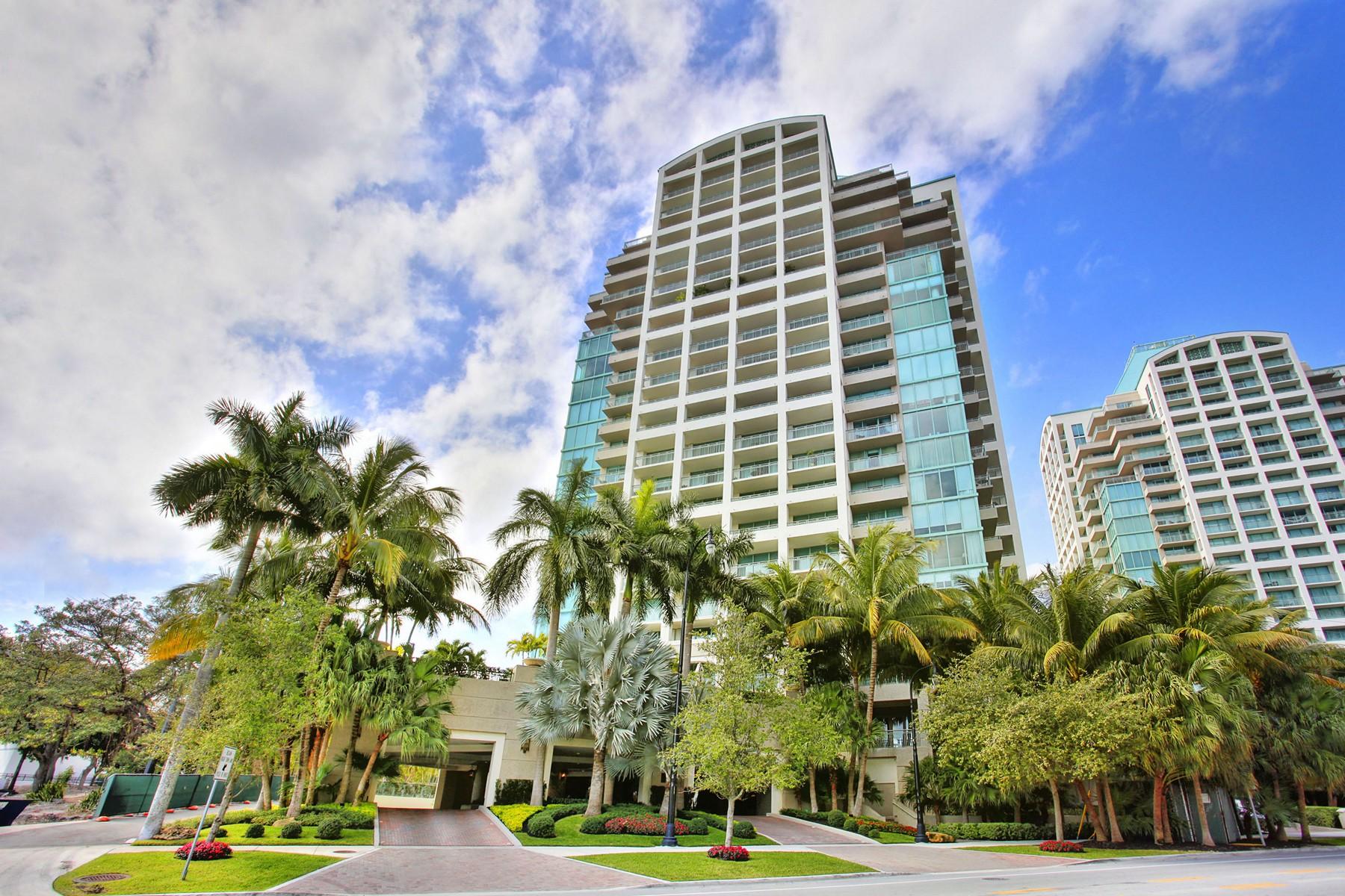 Appartement en copropriété pour l Vente à 3400 SW 27 Ave #208 3400 Sw 27 Av 208 Coconut Grove, Florida, 33133 États-Unis