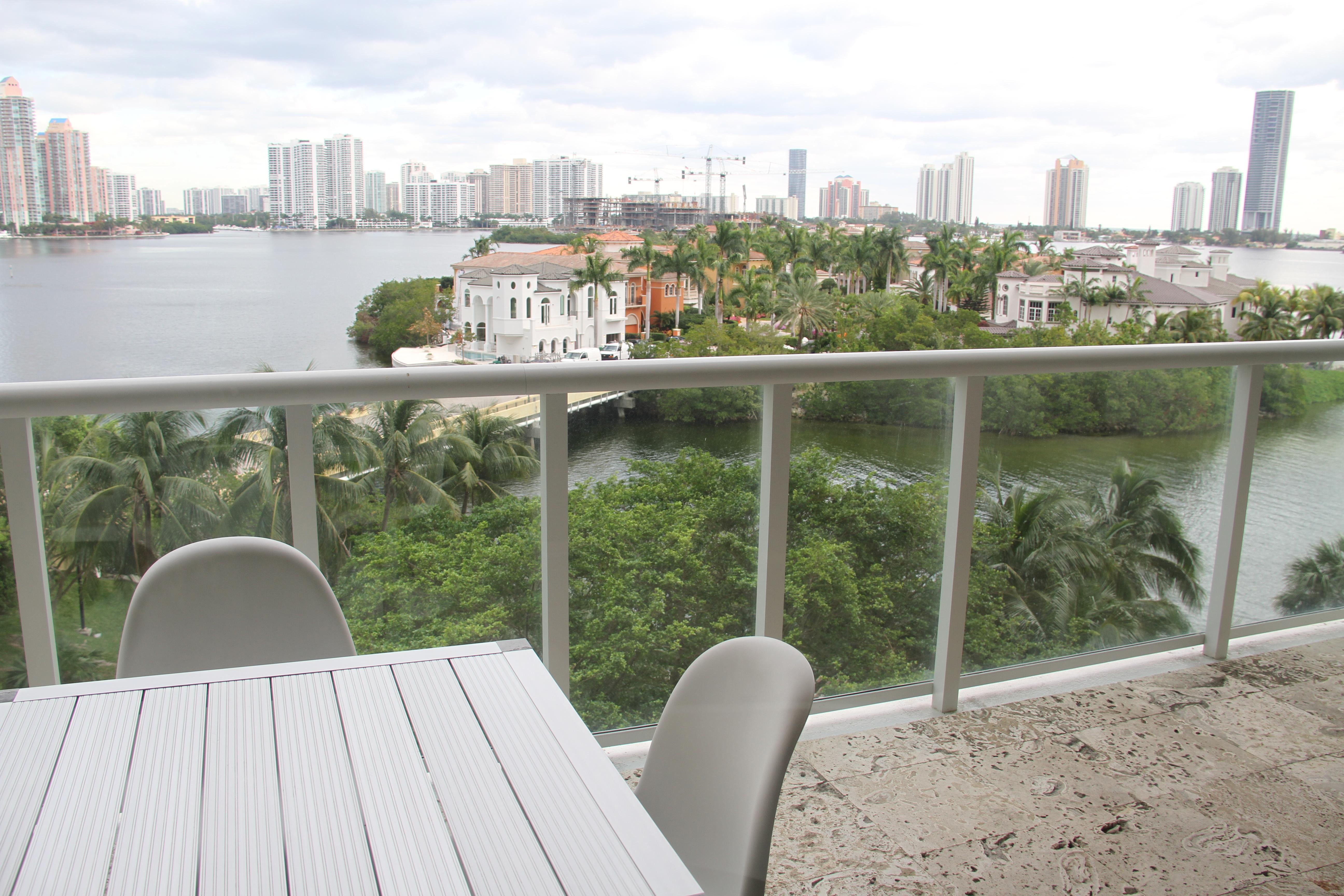 Copropriété pour l Vente à 4000 Island Blvd #604 4000 Island Blvd 604 Aventura, Florida, 33160 États-Unis