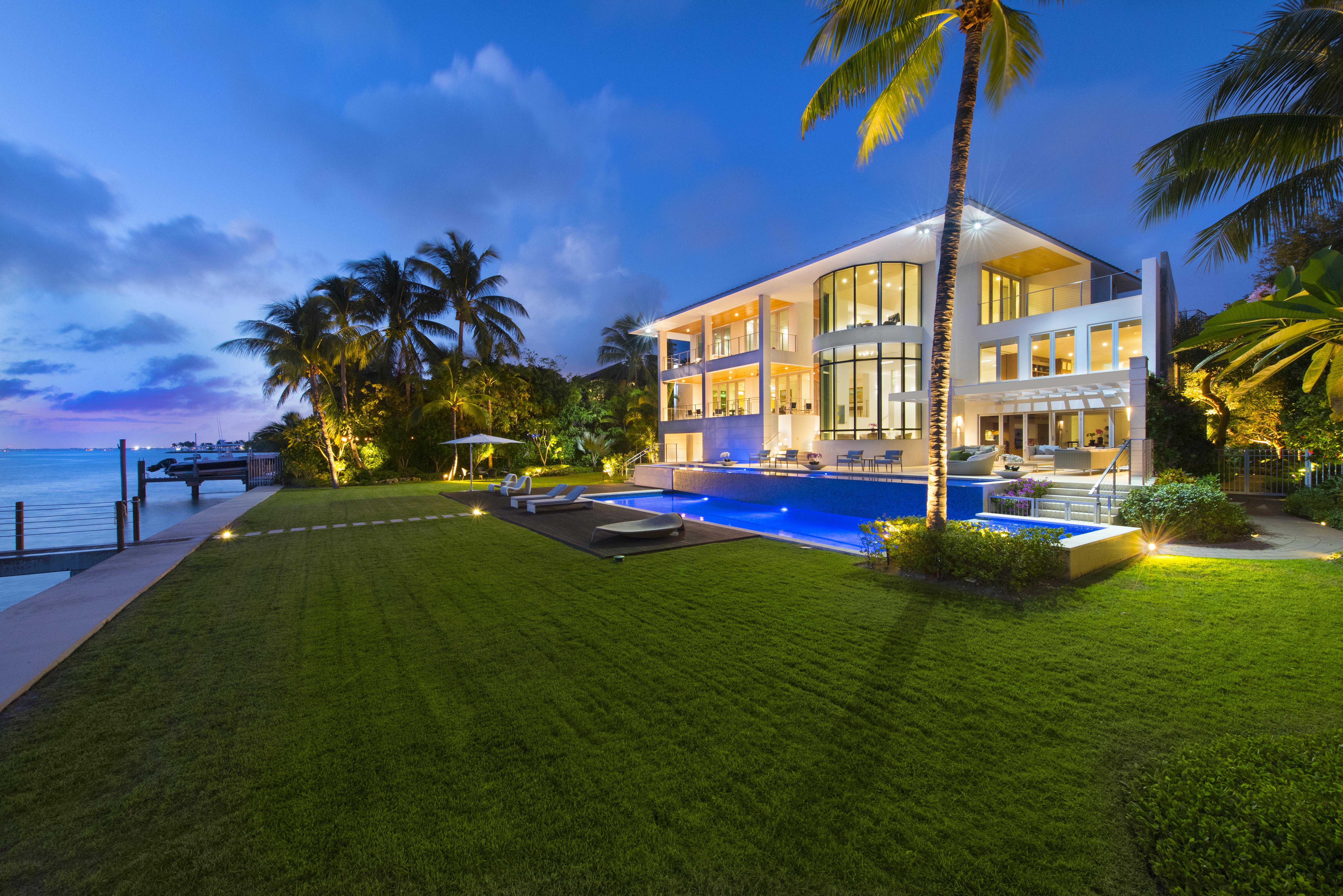 Maison unifamiliale pour l Vente à 500 S Mashta Drive, Key Biscayne, FL 33149 Key Biscayne, Florida, 33149 États-Unis