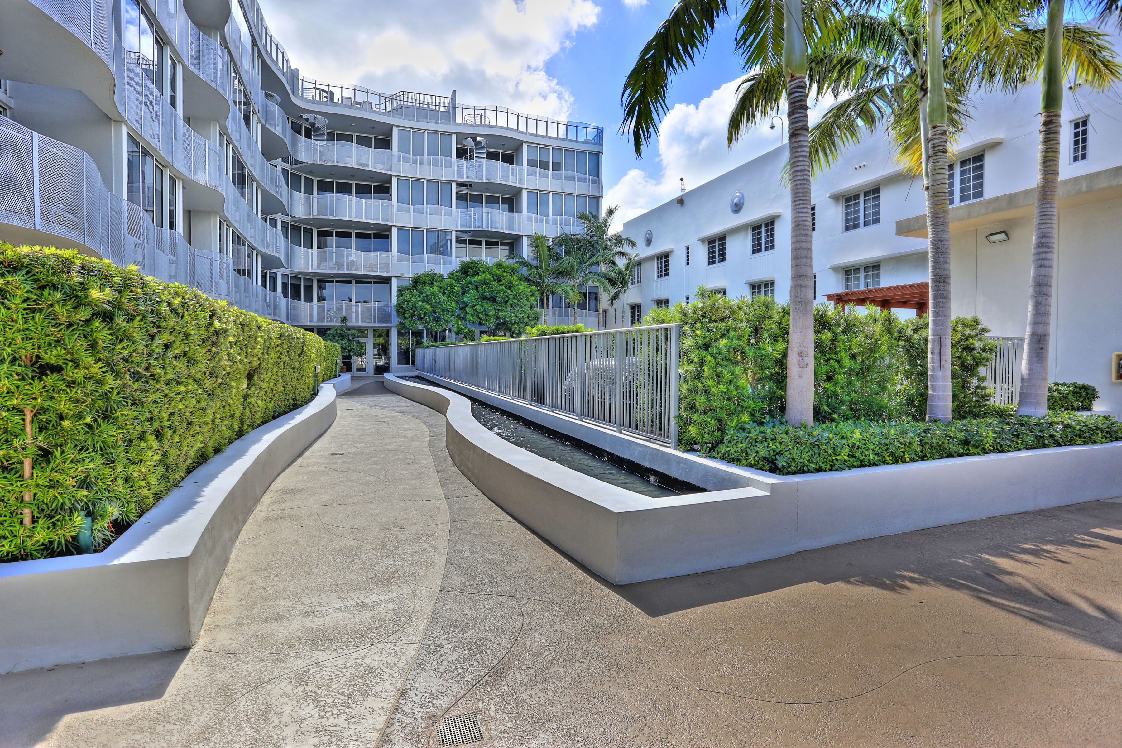 Căn hộ vì Bán tại 2130 Park Ave #Ve5 2130 Park Ave VE5 Miami Beach, Florida, 33139 Hoa Kỳ