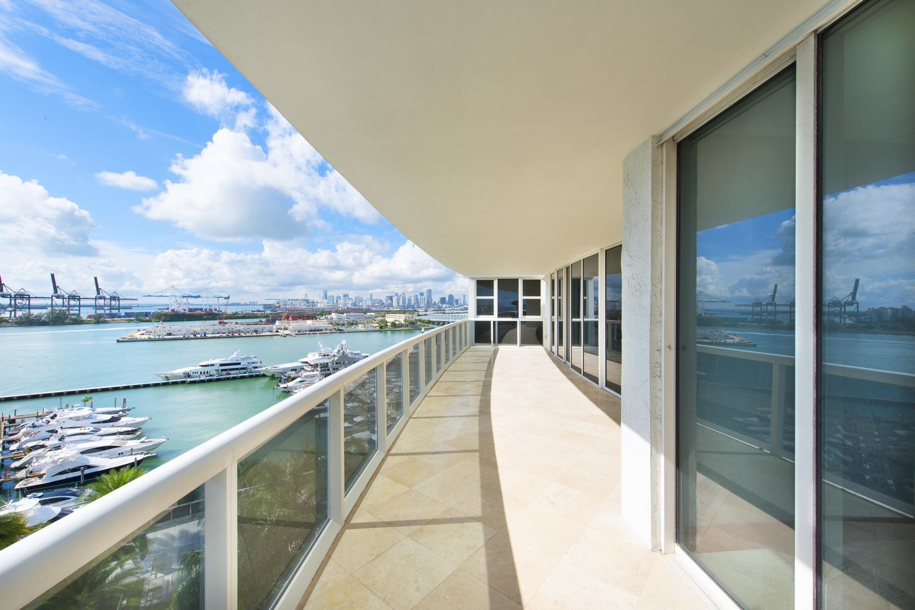 Кондоминиум для того Продажа на 400 Alton Rd #1106 400 Alton Rd 1106 Miami Beach, Флорида, 33139 Соединенные Штаты