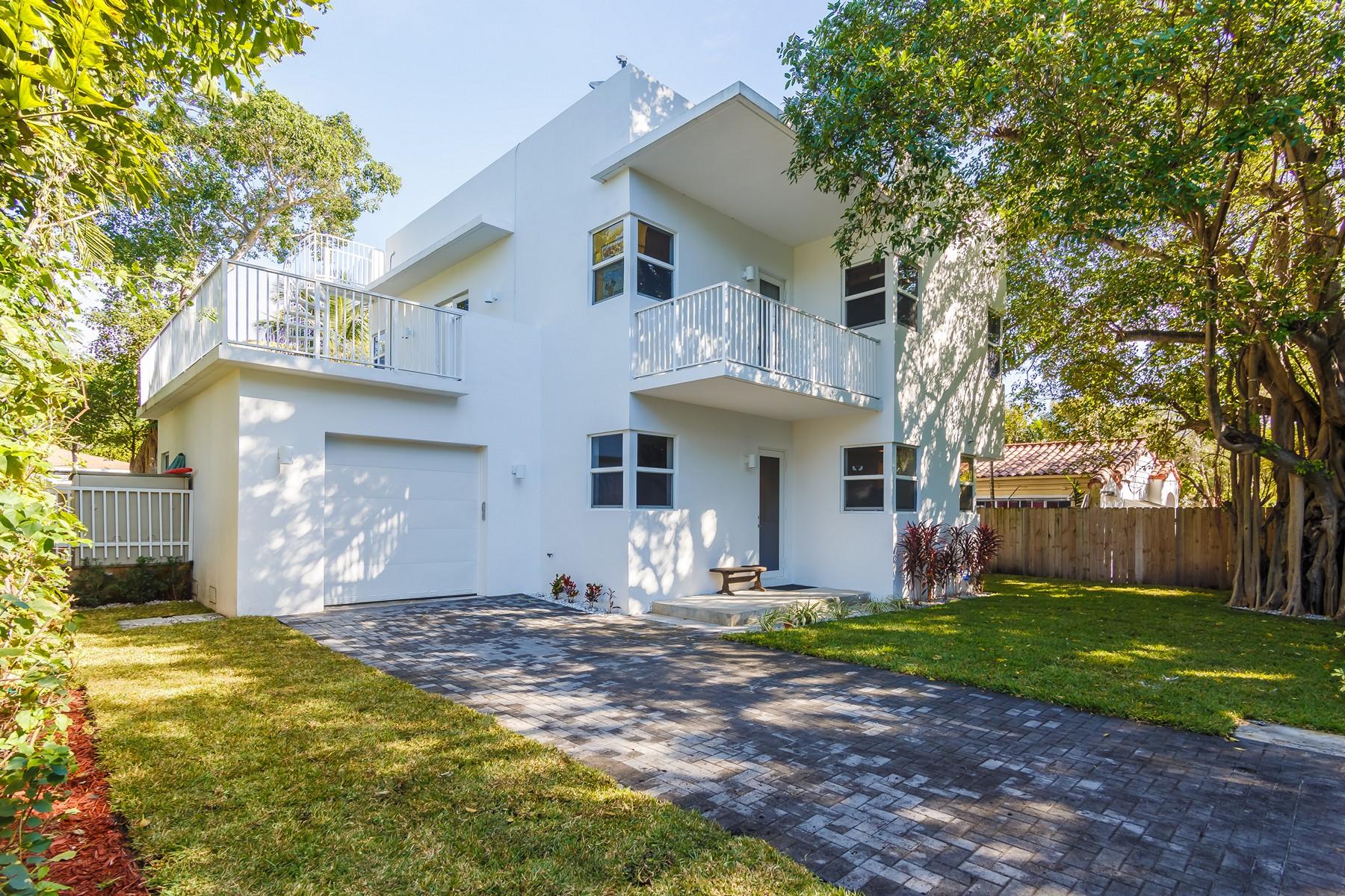 Einfamilienhaus für Verkauf beim 795 NE 70 Street 795 Ne 70th St Miami, Florida, 33138 Vereinigte Staaten