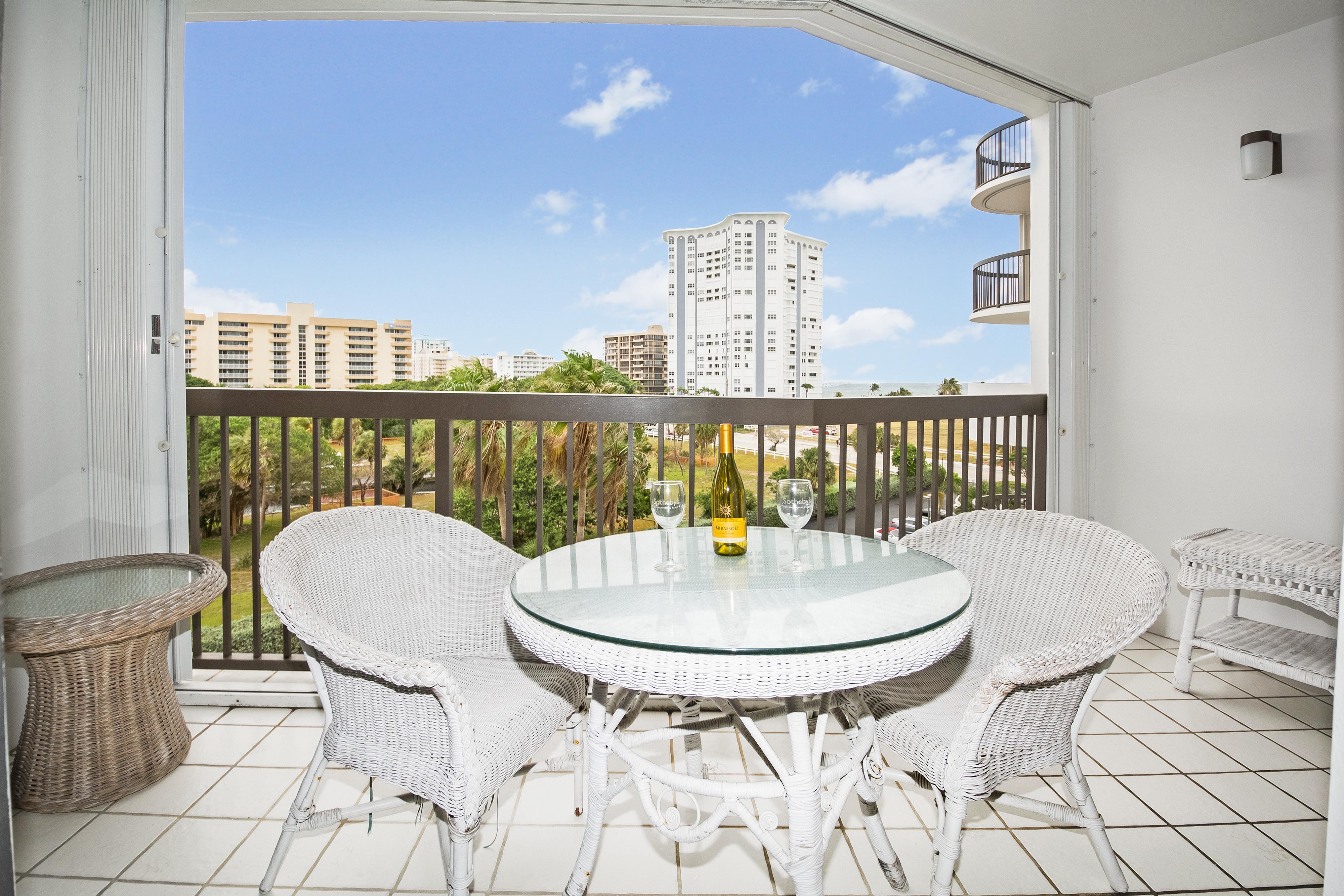 Квартира для того Продажа на 1361 S Ocean Blvd #505 1361 S Ocean Blvd 505 Pompano Beach, Флорида, 33062 Соединенные Штаты