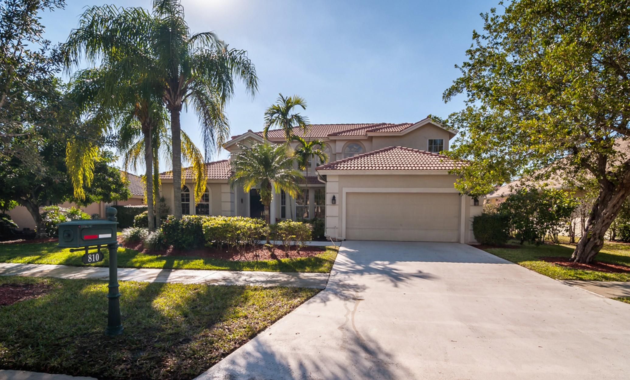 Casa Unifamiliar por un Venta en 810 Bayside Ln Weston, Florida, 33326 Estados Unidos