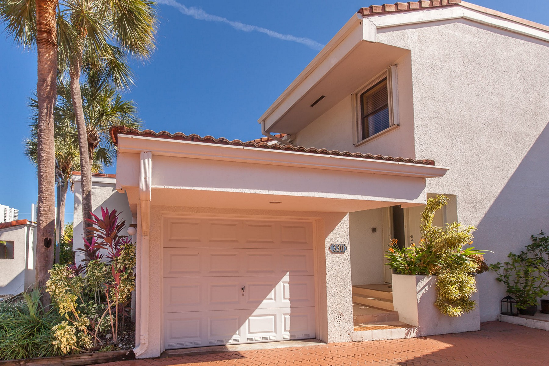 sales property at 330 Poinciana Dr #1002