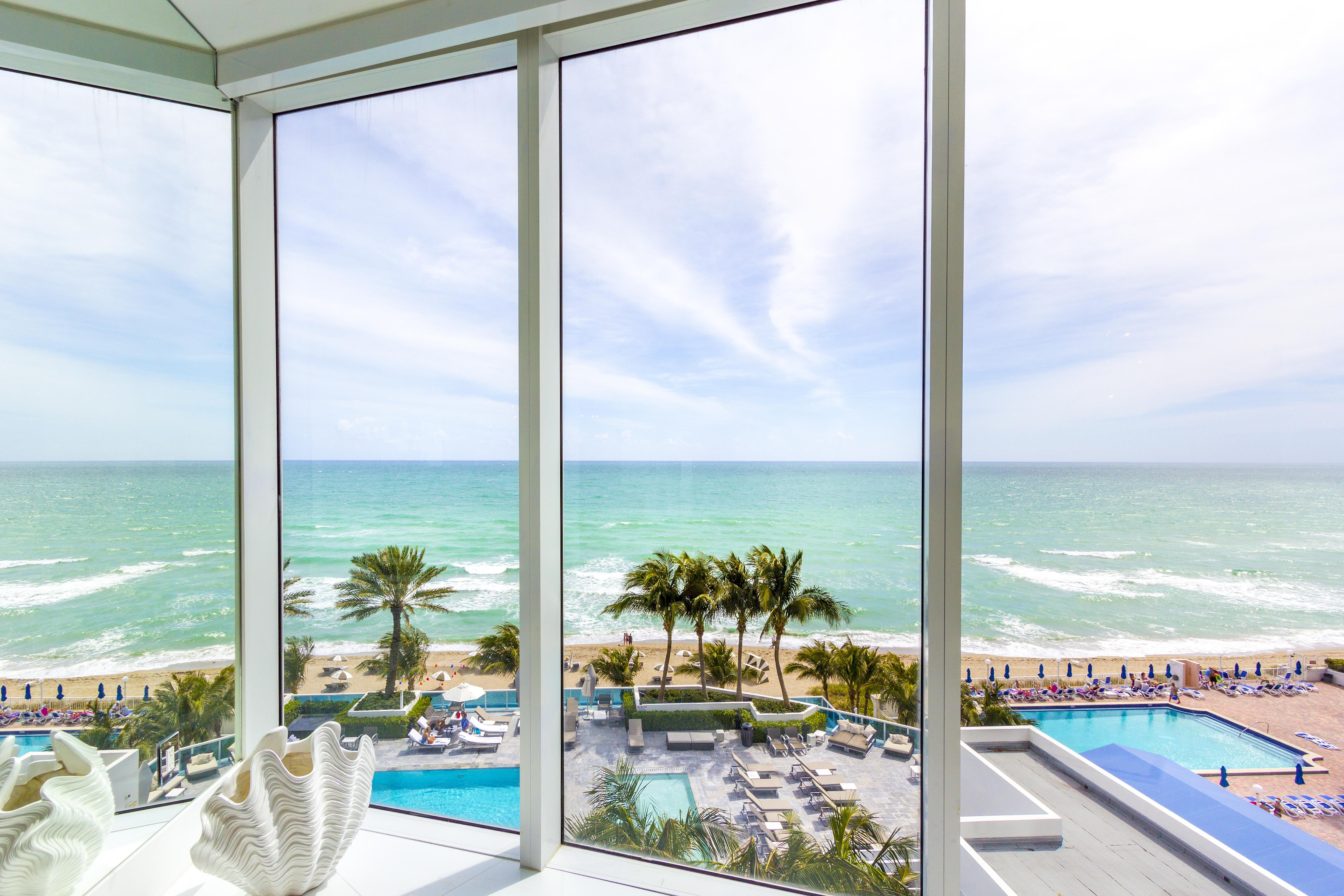 Condominio por un Venta en 2711 S Ocean Dr #705 2711 S Ocean Dr 705 Hollywood, Florida, 33019 Estados Unidos