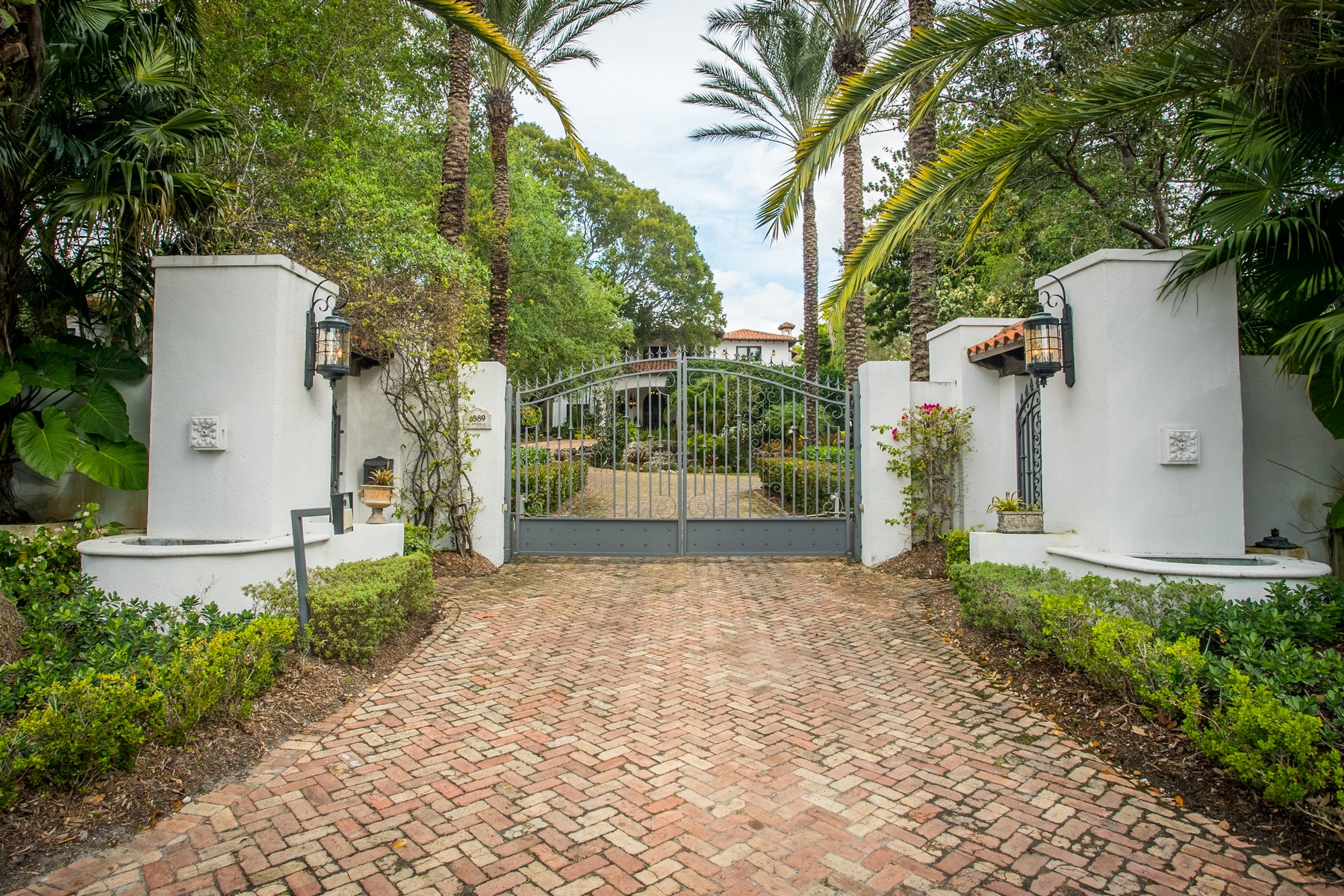 Single Family Home for Sale at 1889 S Bayshore Dr Coconut Grove, Florida, 33133 United States