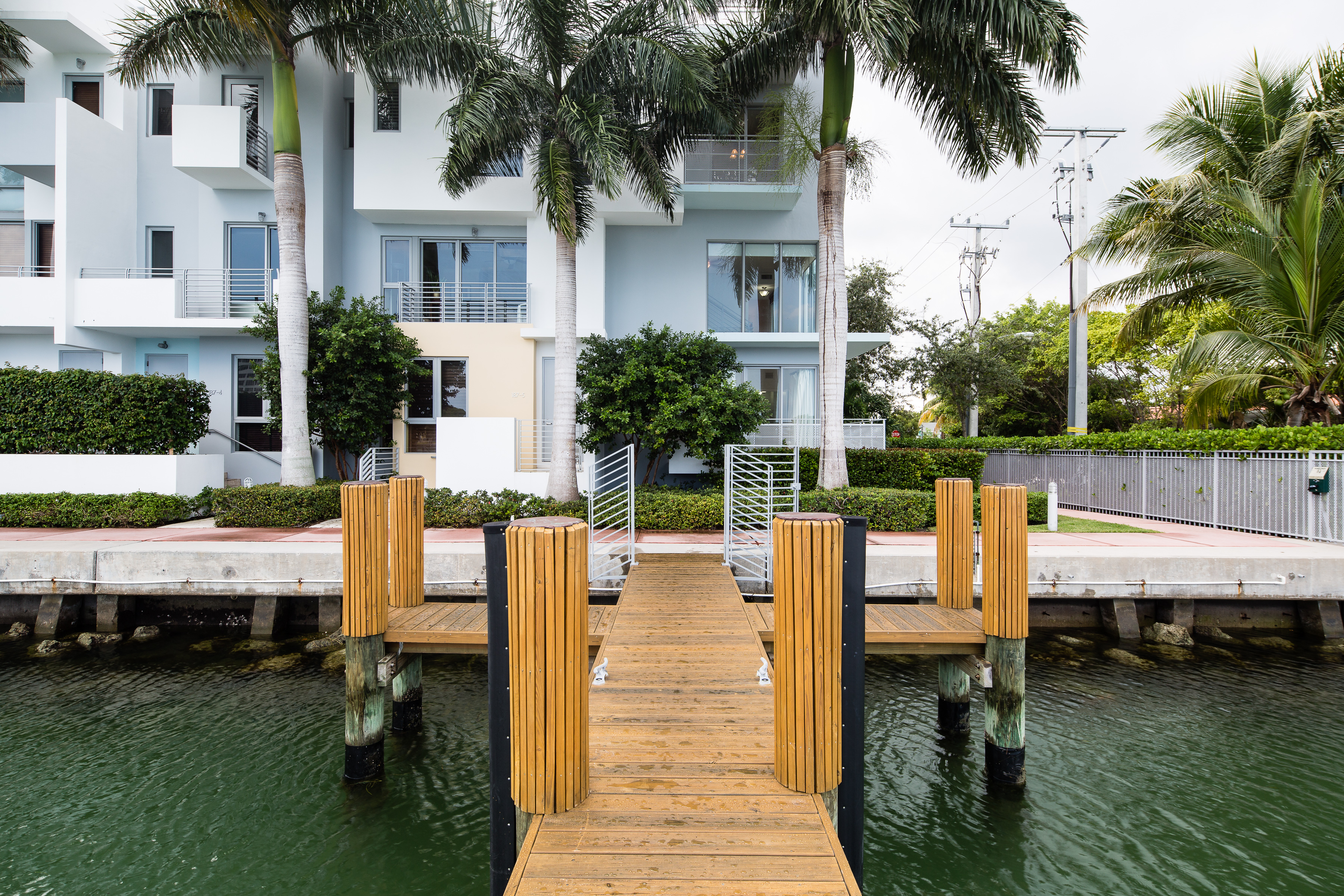 Townhouse for Sale at 187 N Shore Dr Unit 187-6 187 N Shore Dr 187-6 Miami Beach, Florida, 33141 United States