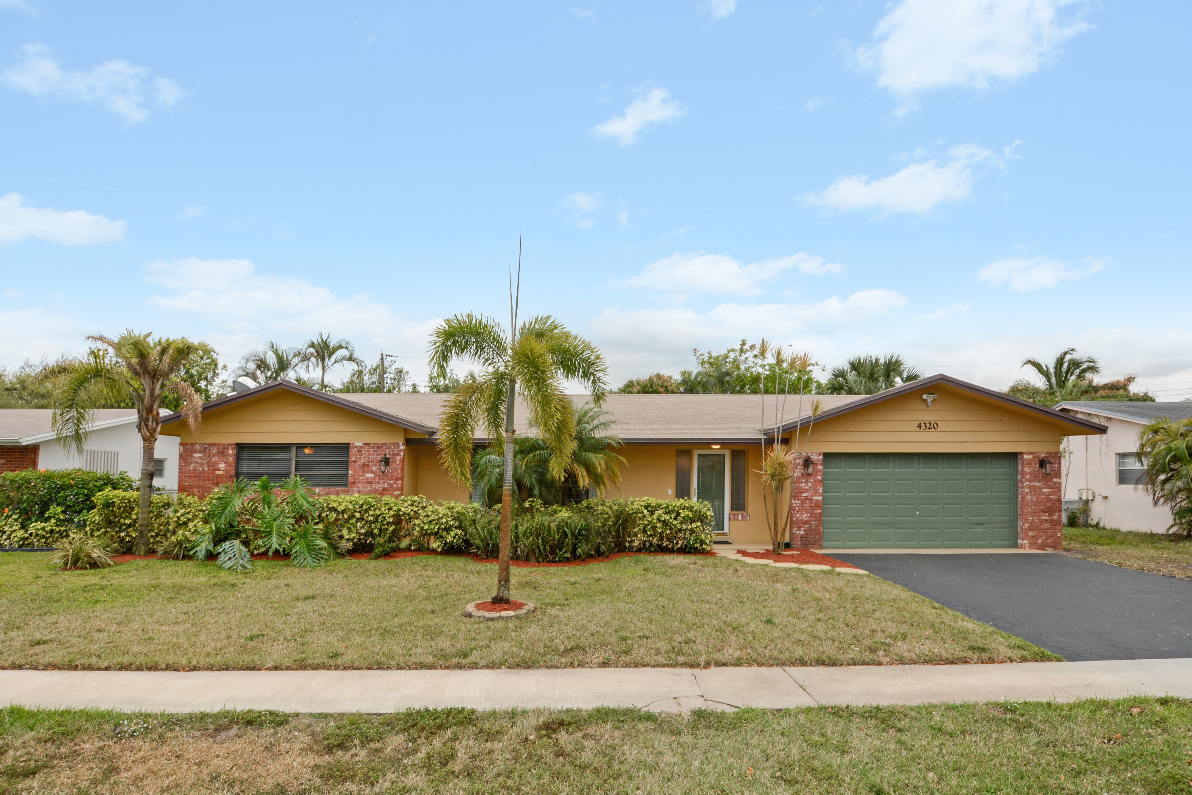 sales property at 4320 Nw 4th Ct