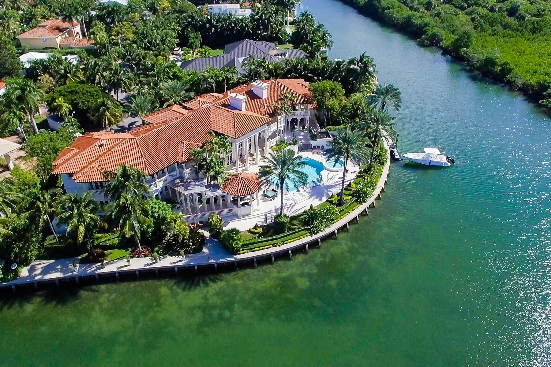 Maison unifamiliale pour l Vente à 260 Cape Florida Dr Key Biscayne, Florida, 33149 États-Unis