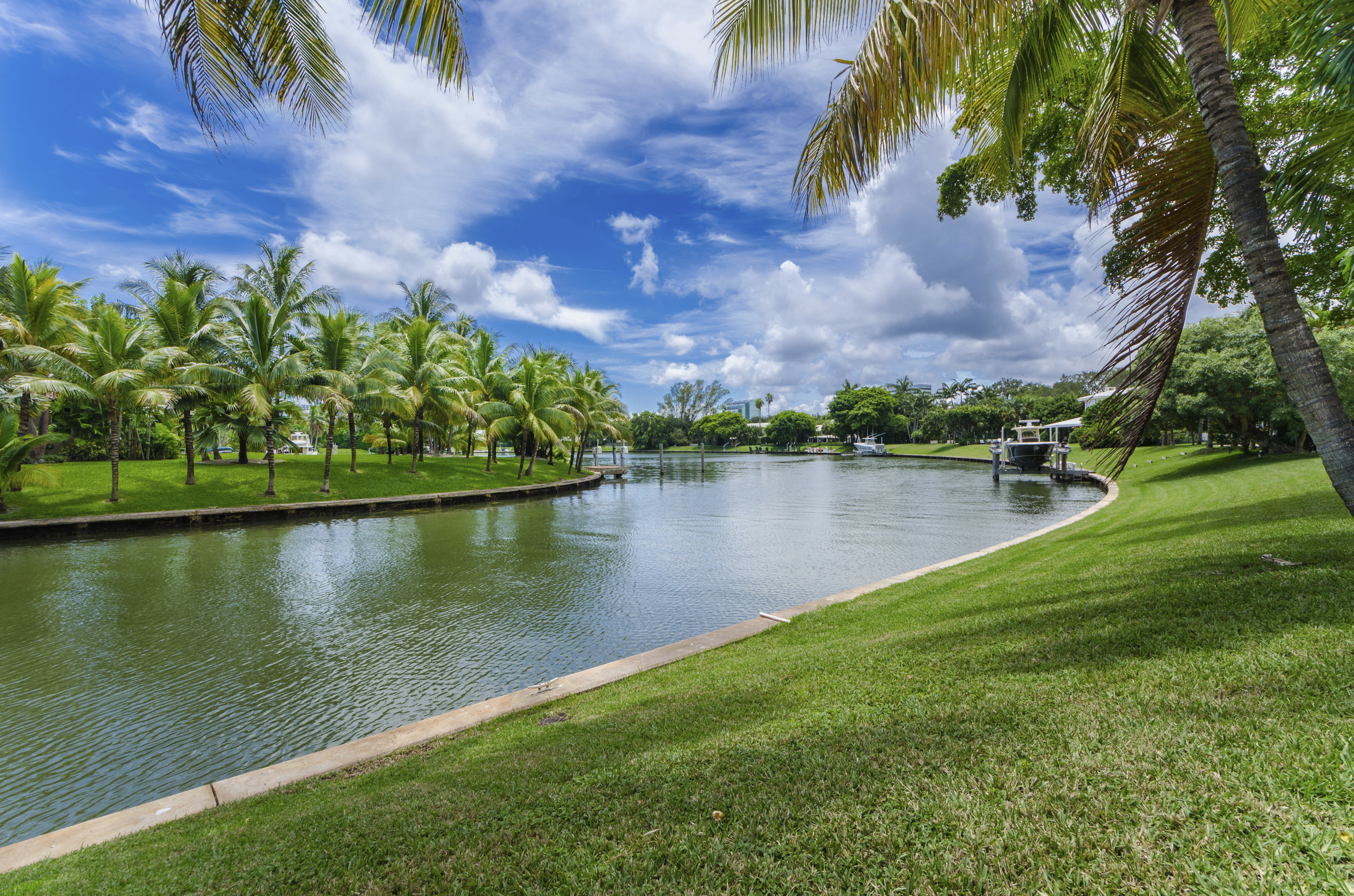 Single Family Home for Sale at 650 Lake Rd Miami, Florida, 33137 United States