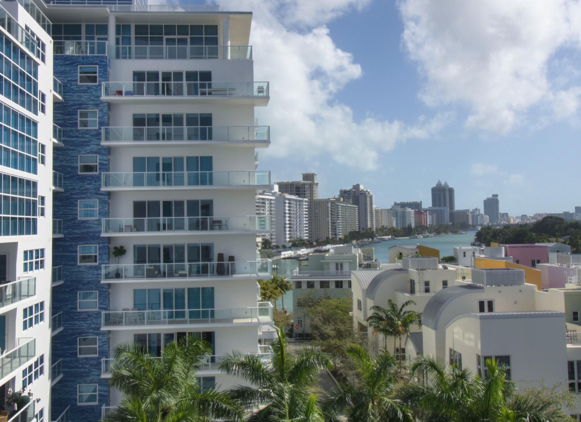 Condomínio para Venda às 6103 Aqua Ave #606 6103 Aqua Ave 606 Miami Beach, Florida, 33141 Estados Unidos