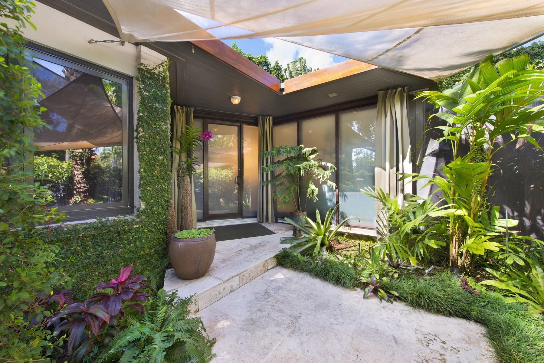 Maison unifamiliale pour l Vente à 200 E Rivo Alto Dr Miami Beach, Florida, 33139 États-Unis