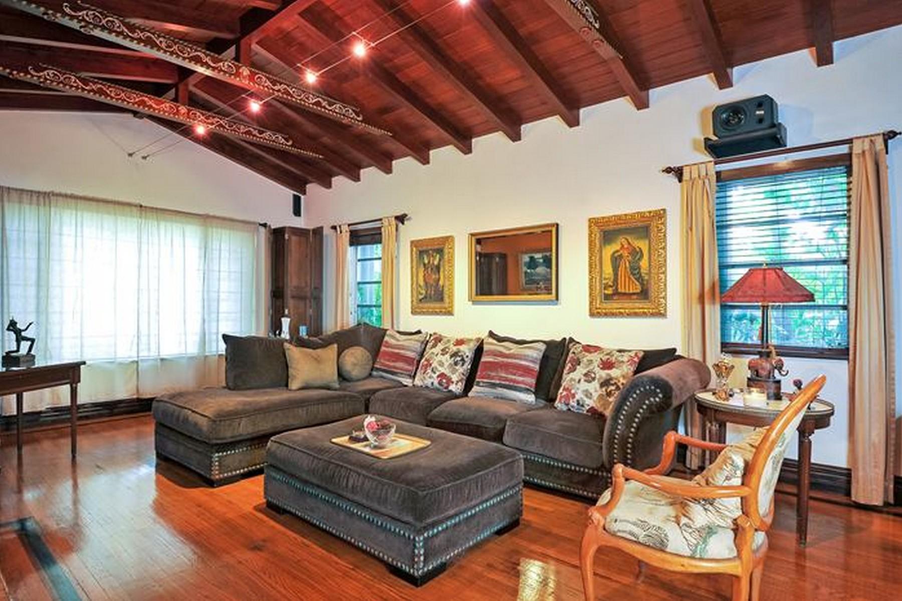 sales property at 710 NE 72 Terrace