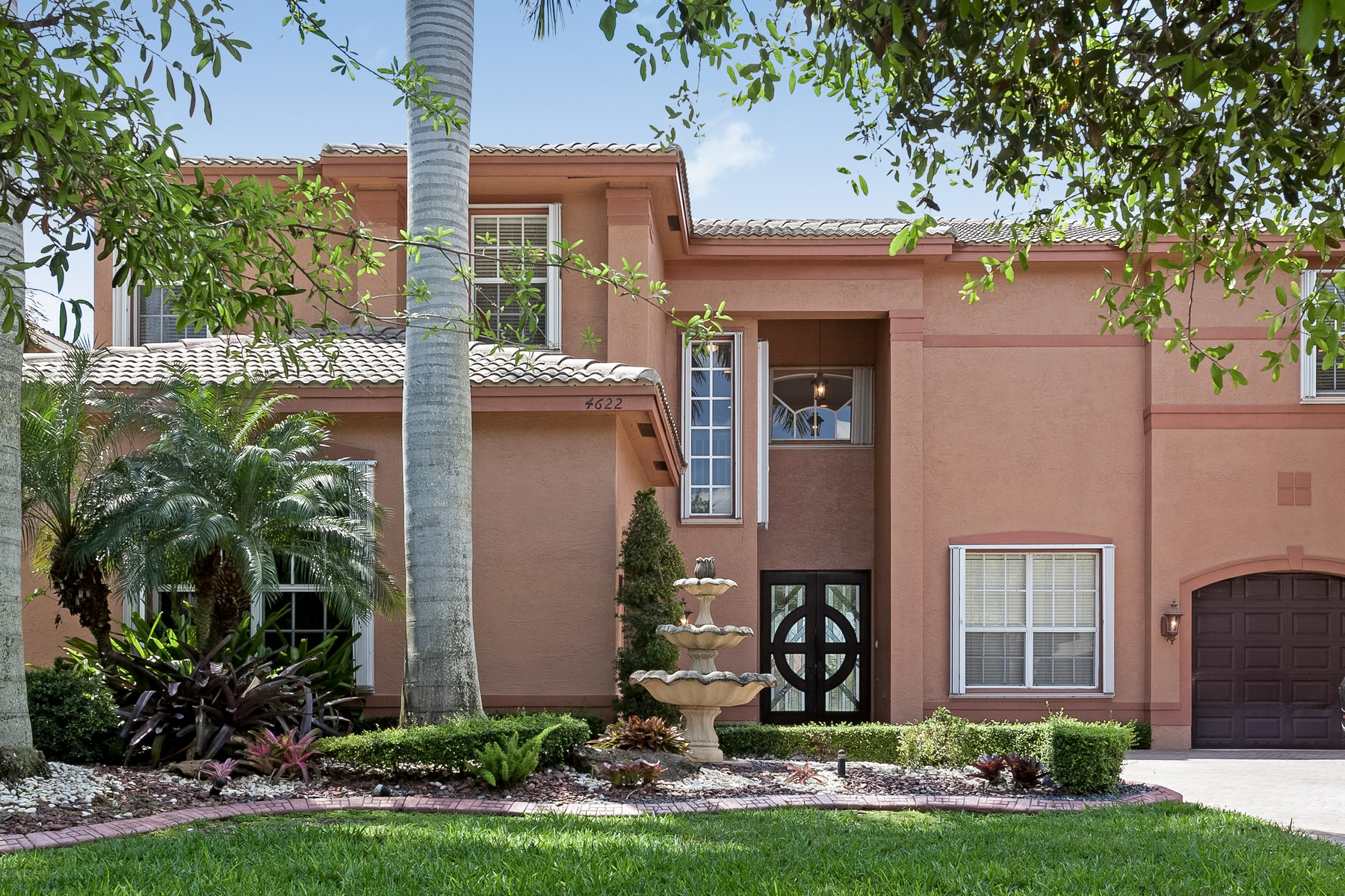 sales property at 4622 Sw 185th Ave