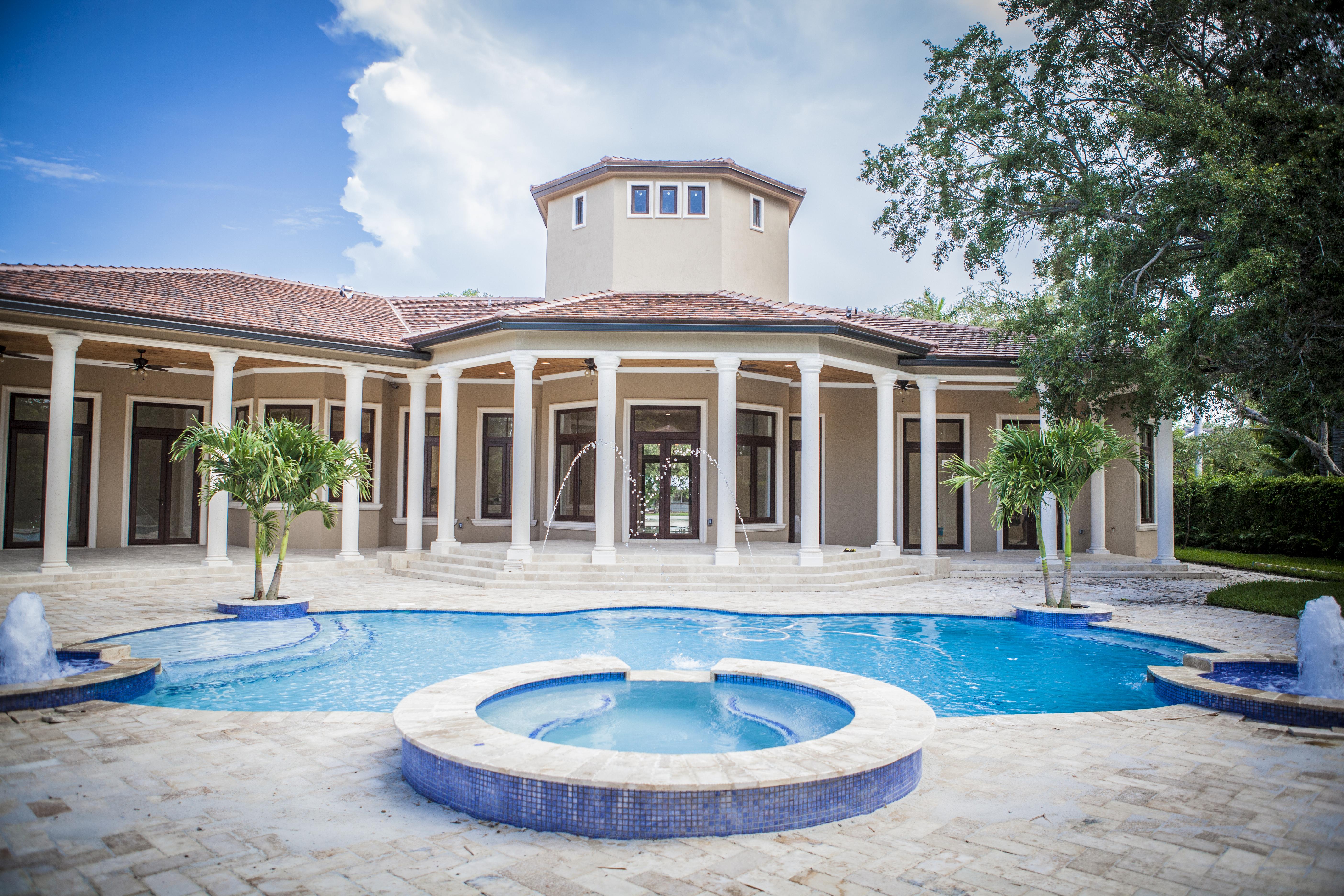 独户住宅 为 销售 在 7430 Sw 100 St 派恩克雷斯特, 佛罗里达州, 33156 美国