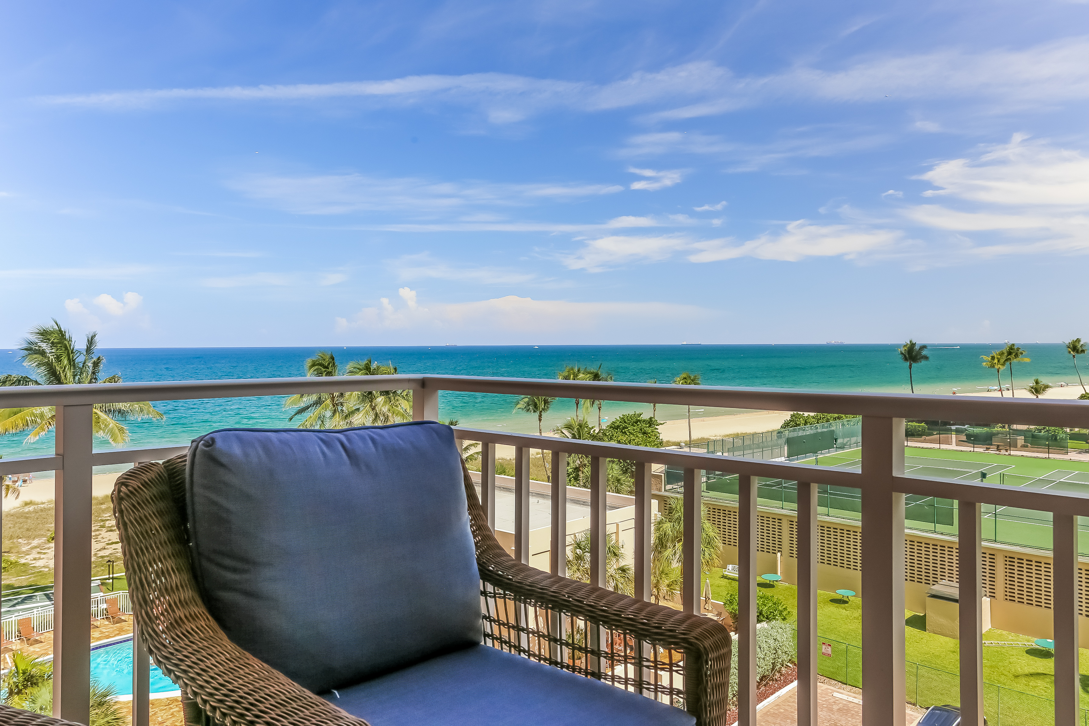 Condominium for Sale at 5200 N Ocean Blvd #607B 5200 N Ocean Blvd 607B Lauderdale By The Sea, Florida, 33308 United States