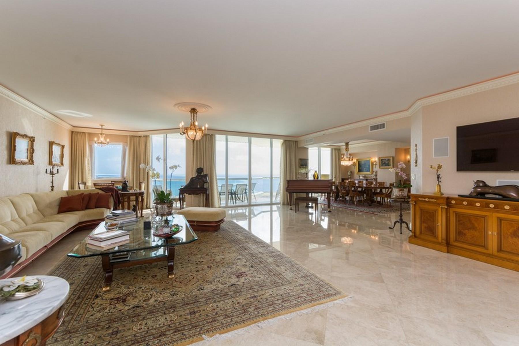 Condominio por un Venta en 17875 Collins ave #3703 17875 Collins Av 3703 Sunny Isles Beach, Florida, 33160 Estados Unidos