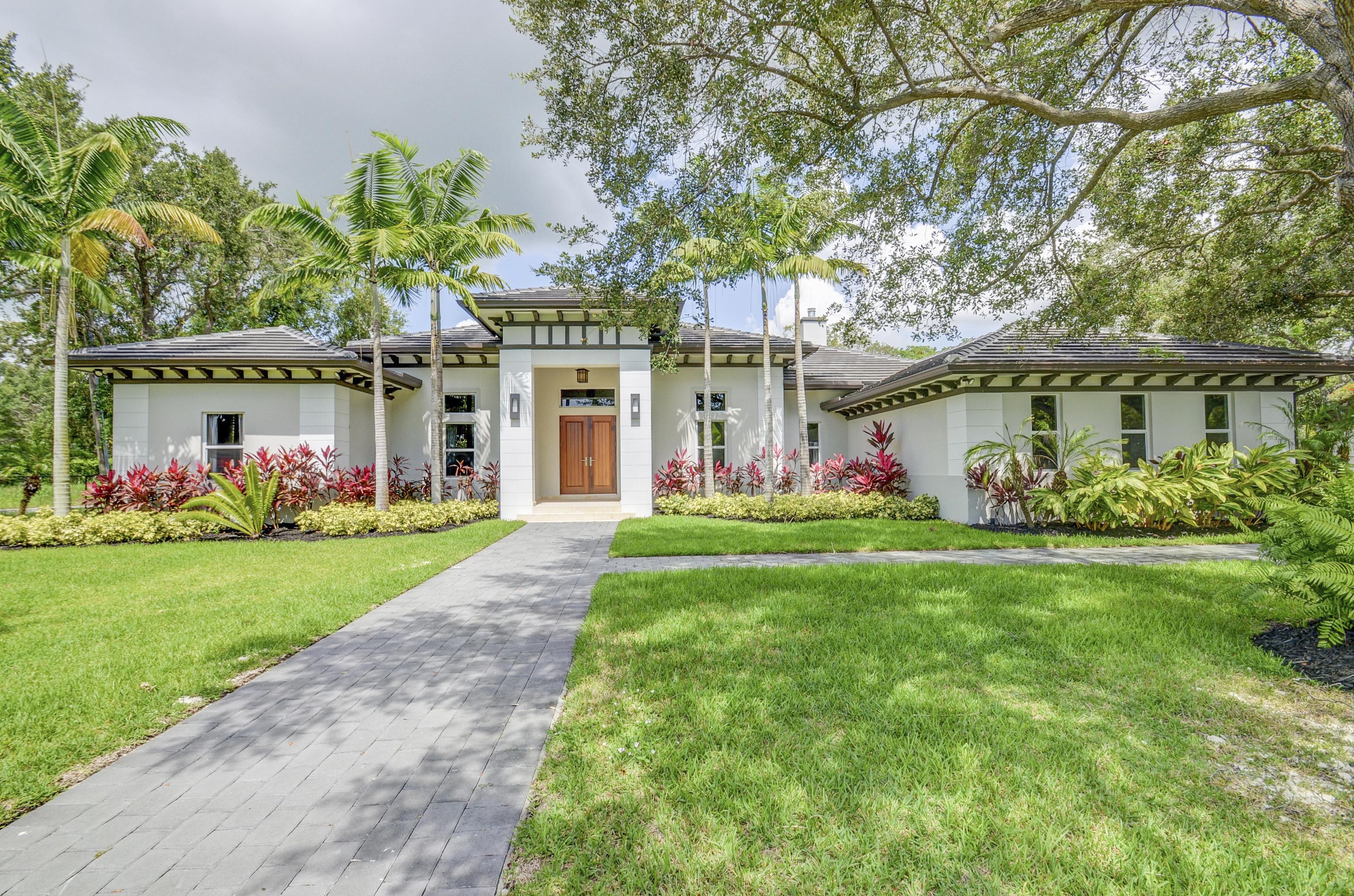 独户住宅 为 销售 在 11280 Sw 82nd Avenue 迈阿密, 佛罗里达州, 33156 美国