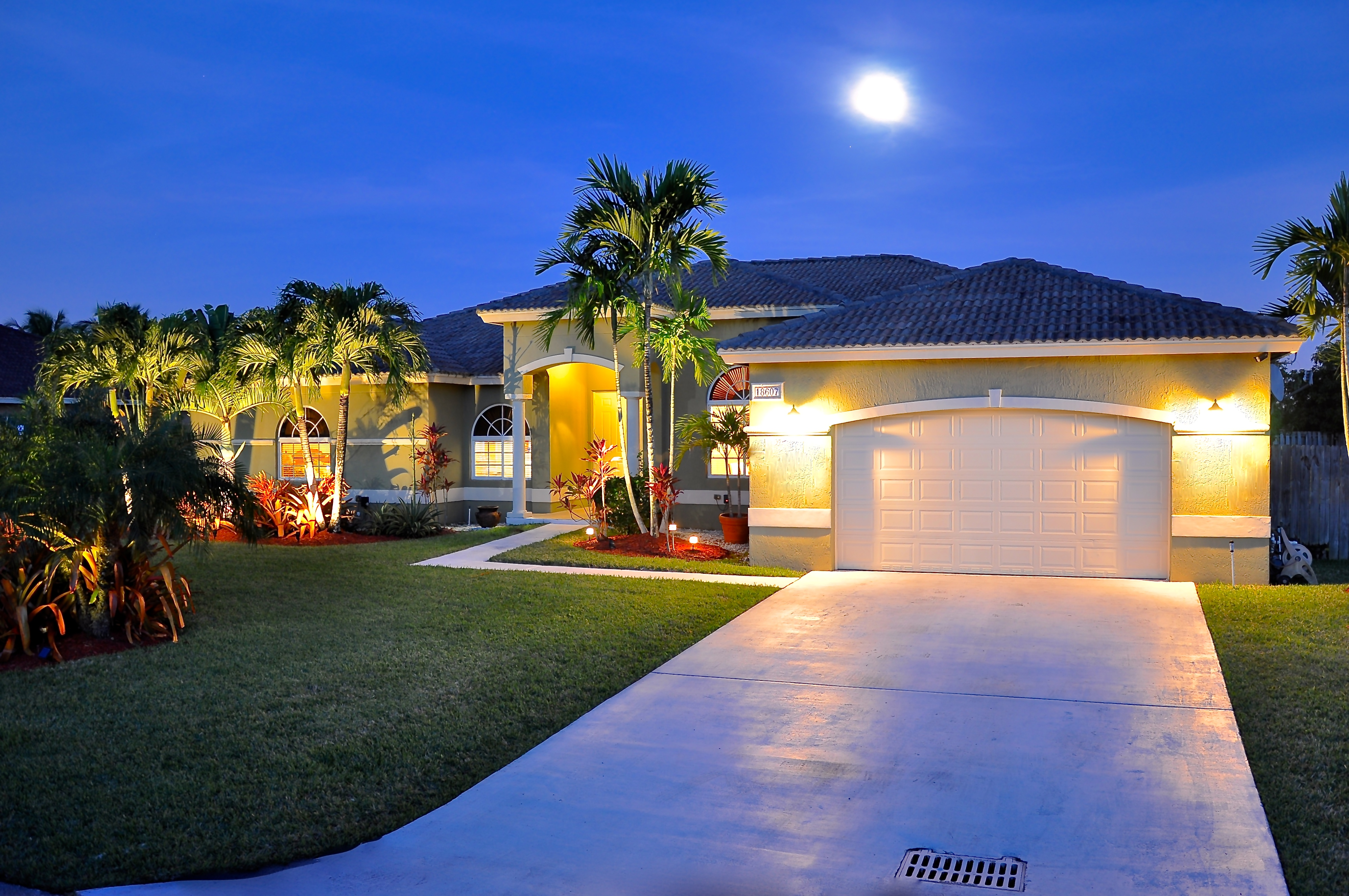Single Family Home for Sale at 18607 Sw 132nd Pl Miami, Florida, 33177 United States