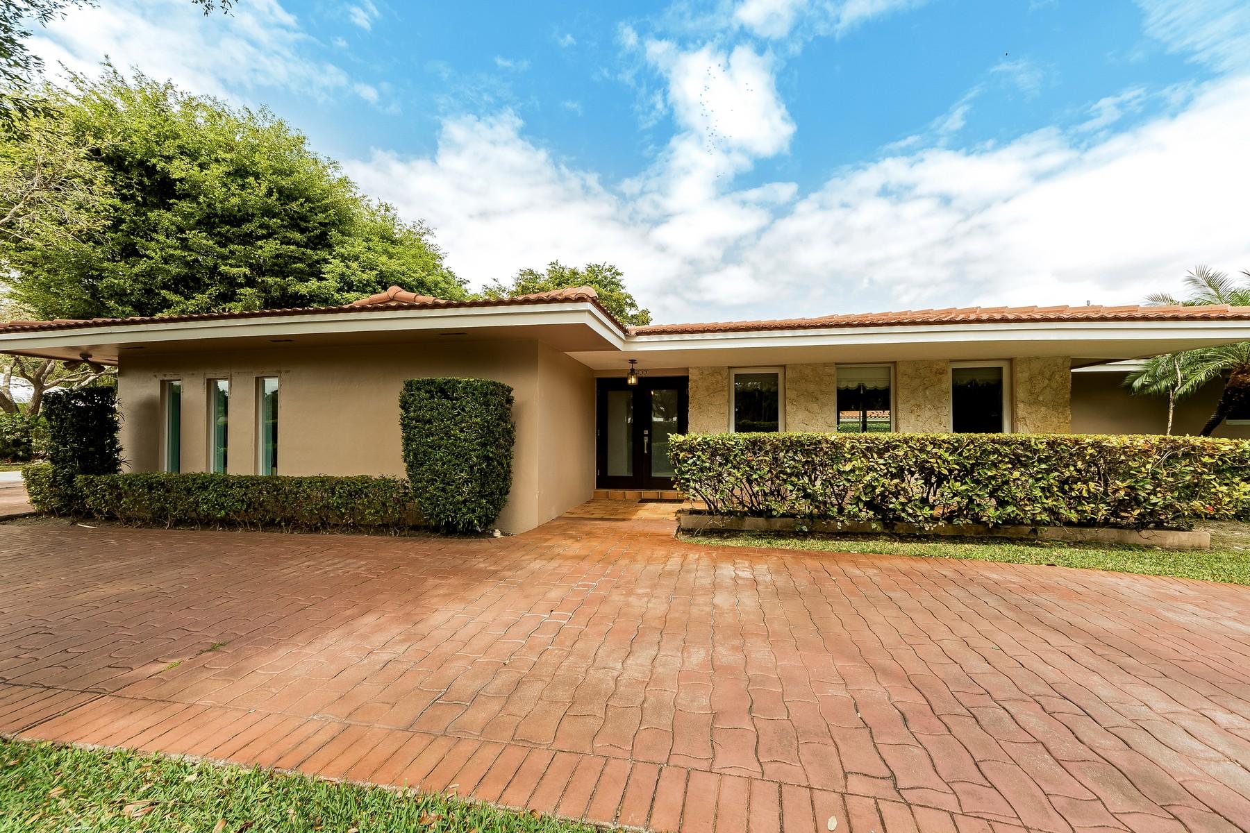 Einfamilienhaus für Verkauf beim 7995 SW 145 St 7995 Sw 145th St Palmetto Bay, Florida, 33158 Vereinigte Staaten