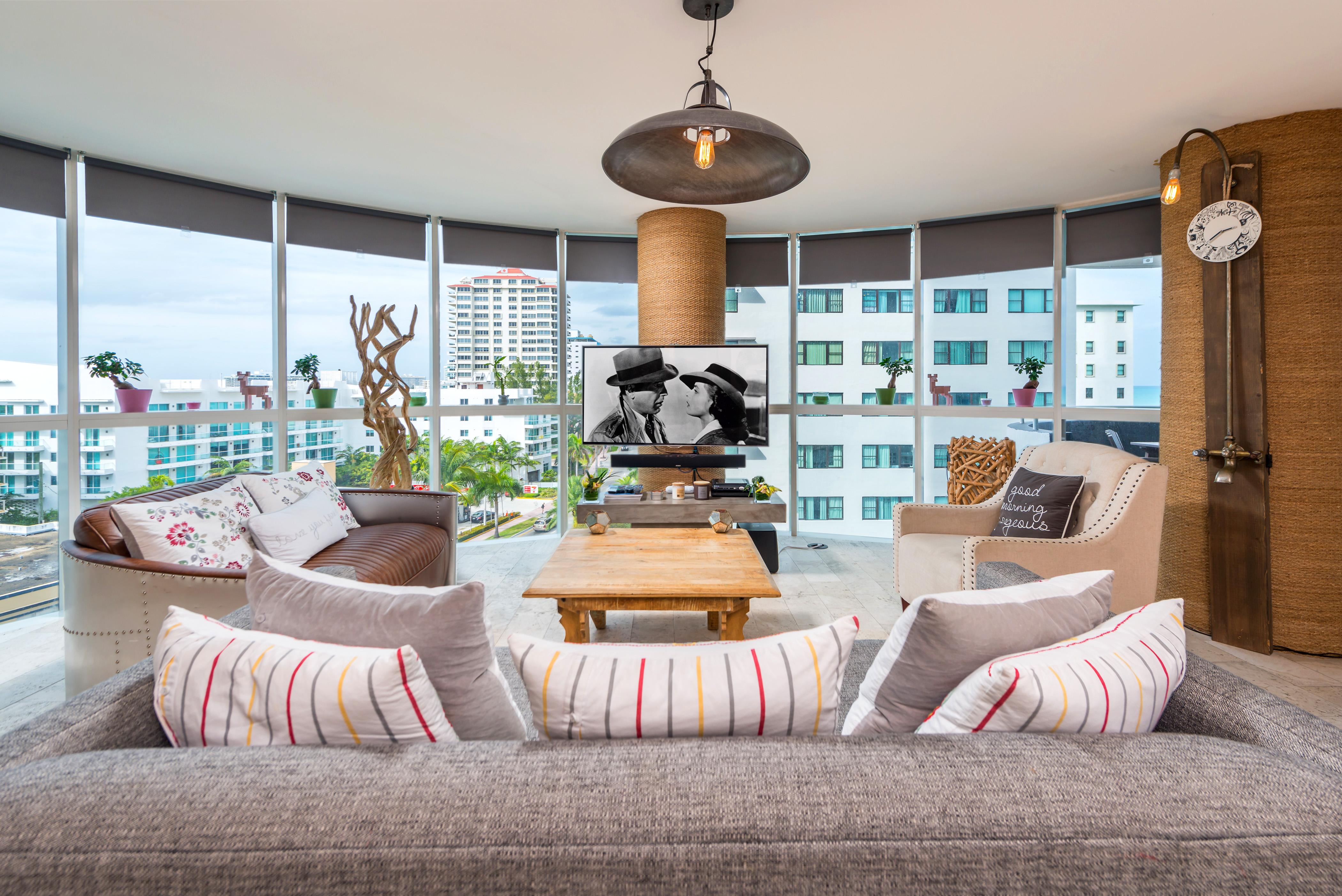 Condomínio para Venda às 6301 Collins Ave #807 6301 Collins Ave 807 Miami Beach, Florida, 33141 Estados Unidos