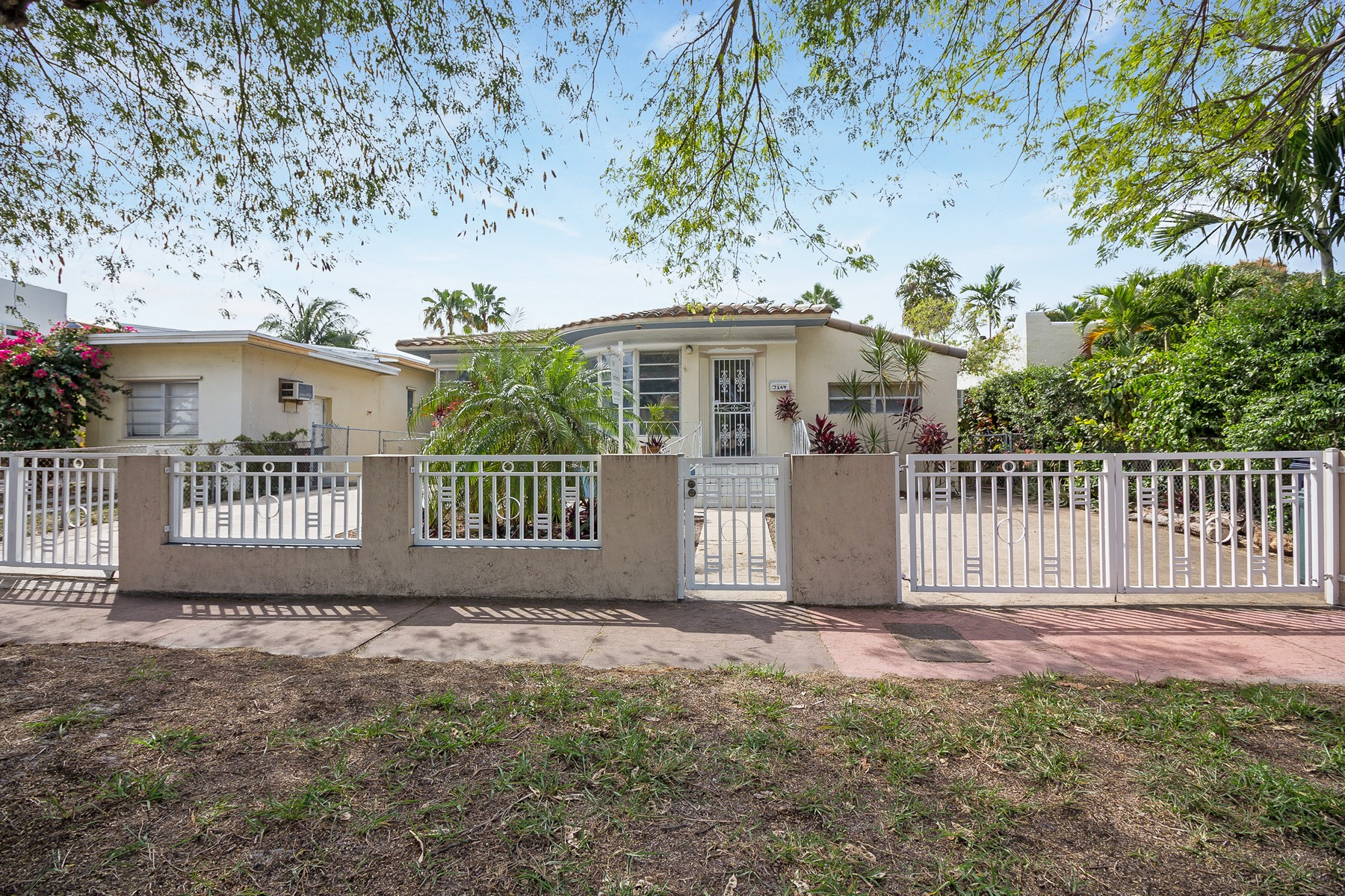 Single Family Home for Sale at 3164 Sheridan Ave Miami Beach, Florida, 33140 United States