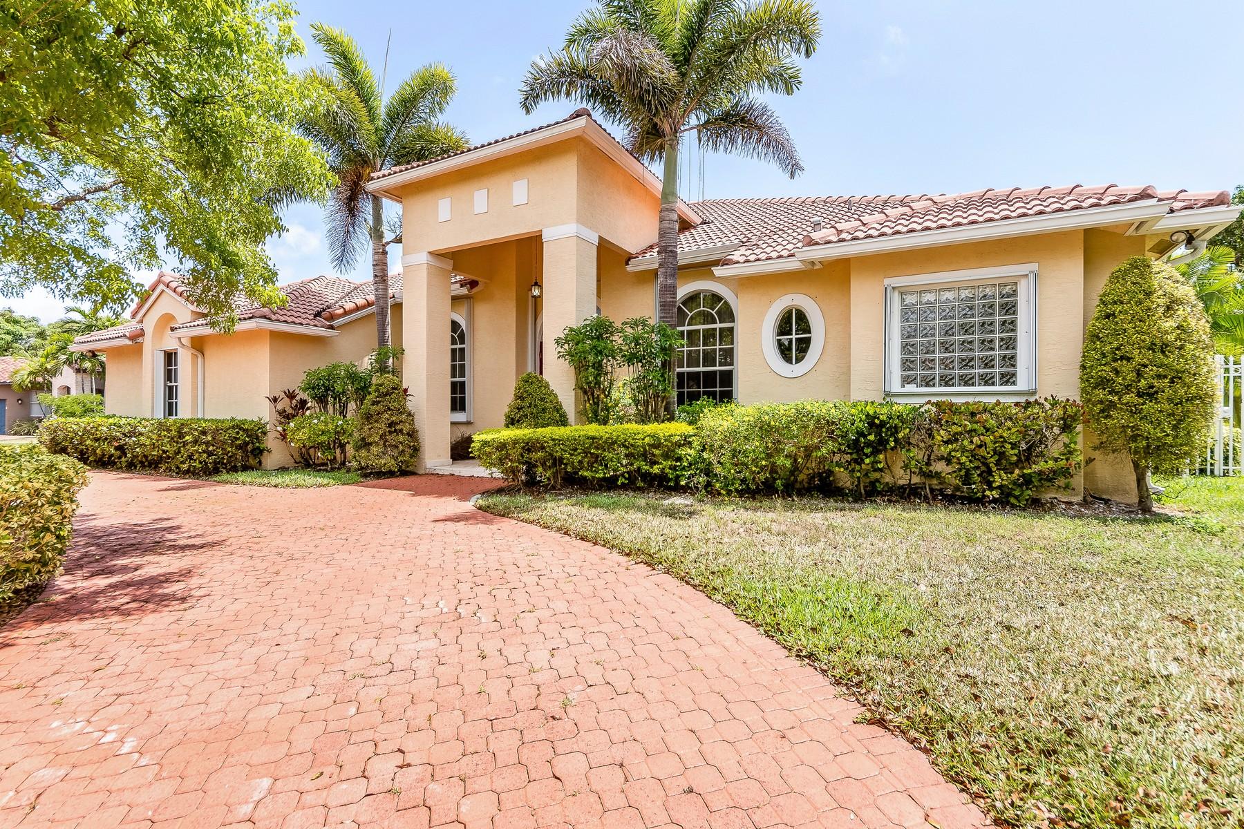 Einfamilienhaus für Verkauf beim 17135 Sw 81st Ct Palmetto Bay, Florida, 33157 Vereinigte Staaten