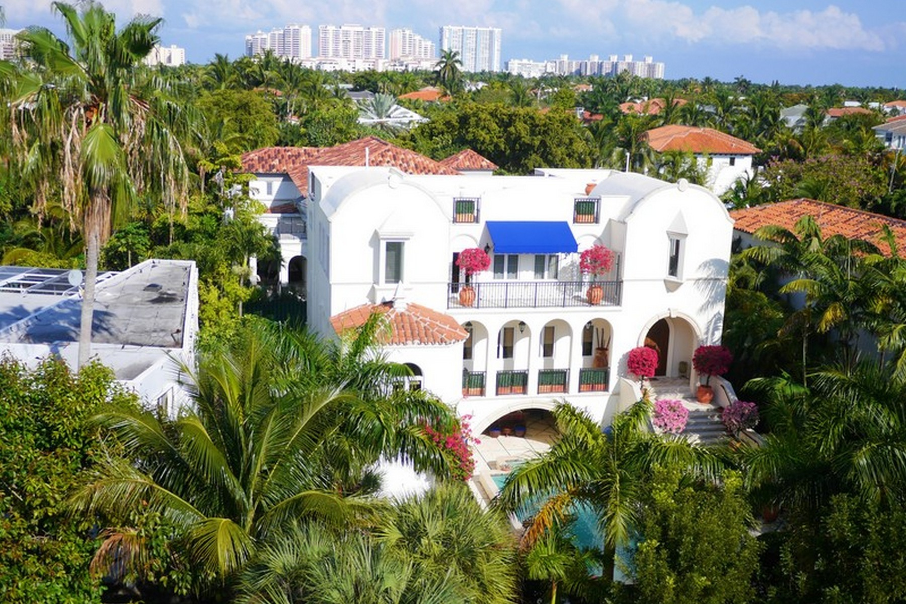 Single Family Home for Sale at 685 Harbor Drive Key Biscayne, Florida, 33149 United States