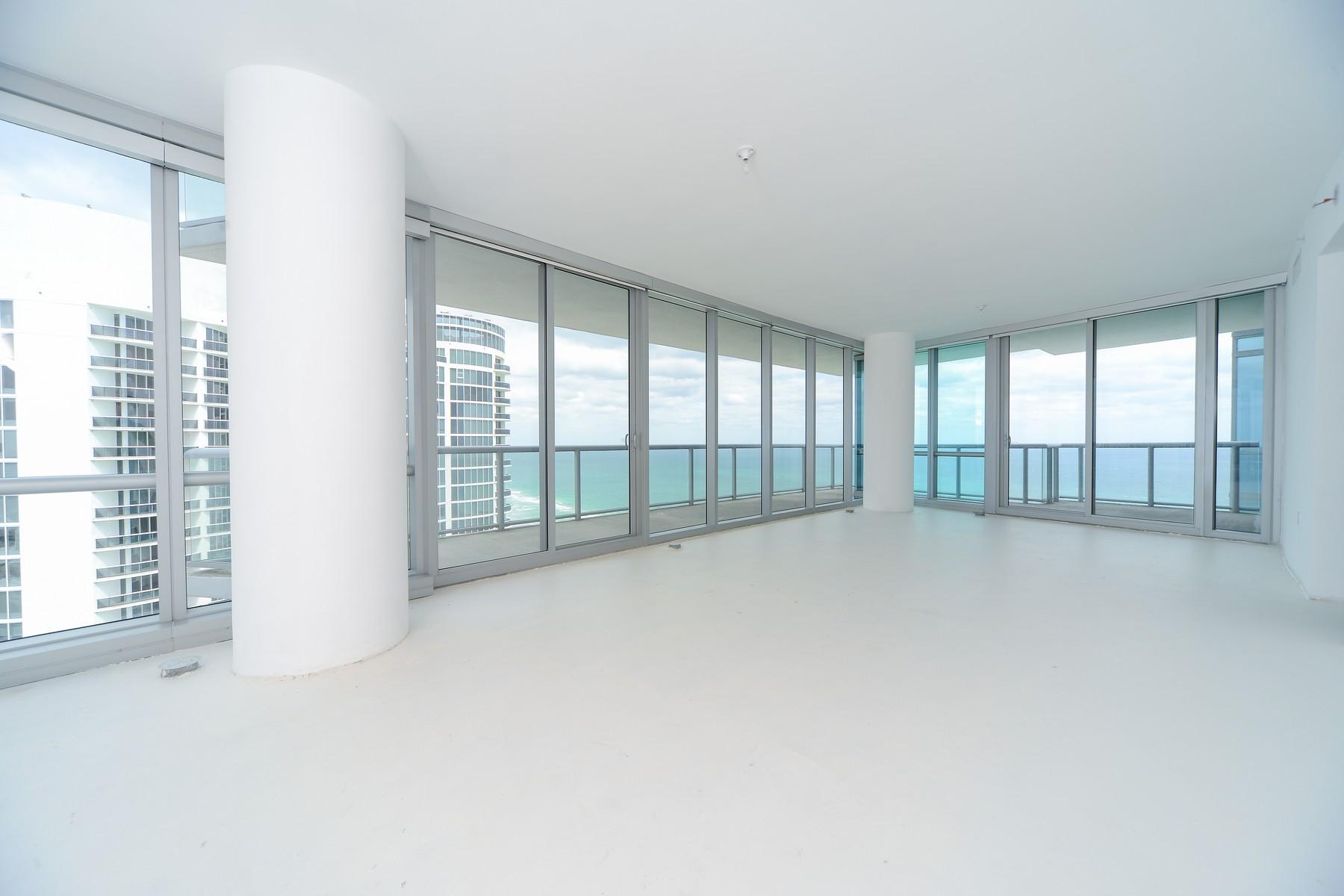 Appartement en copropriété pour l Vente à 17121 Collins Ave #3508 17121 Collins Ave 3508 Sunny Isles Beach, Florida, 33160 États-Unis