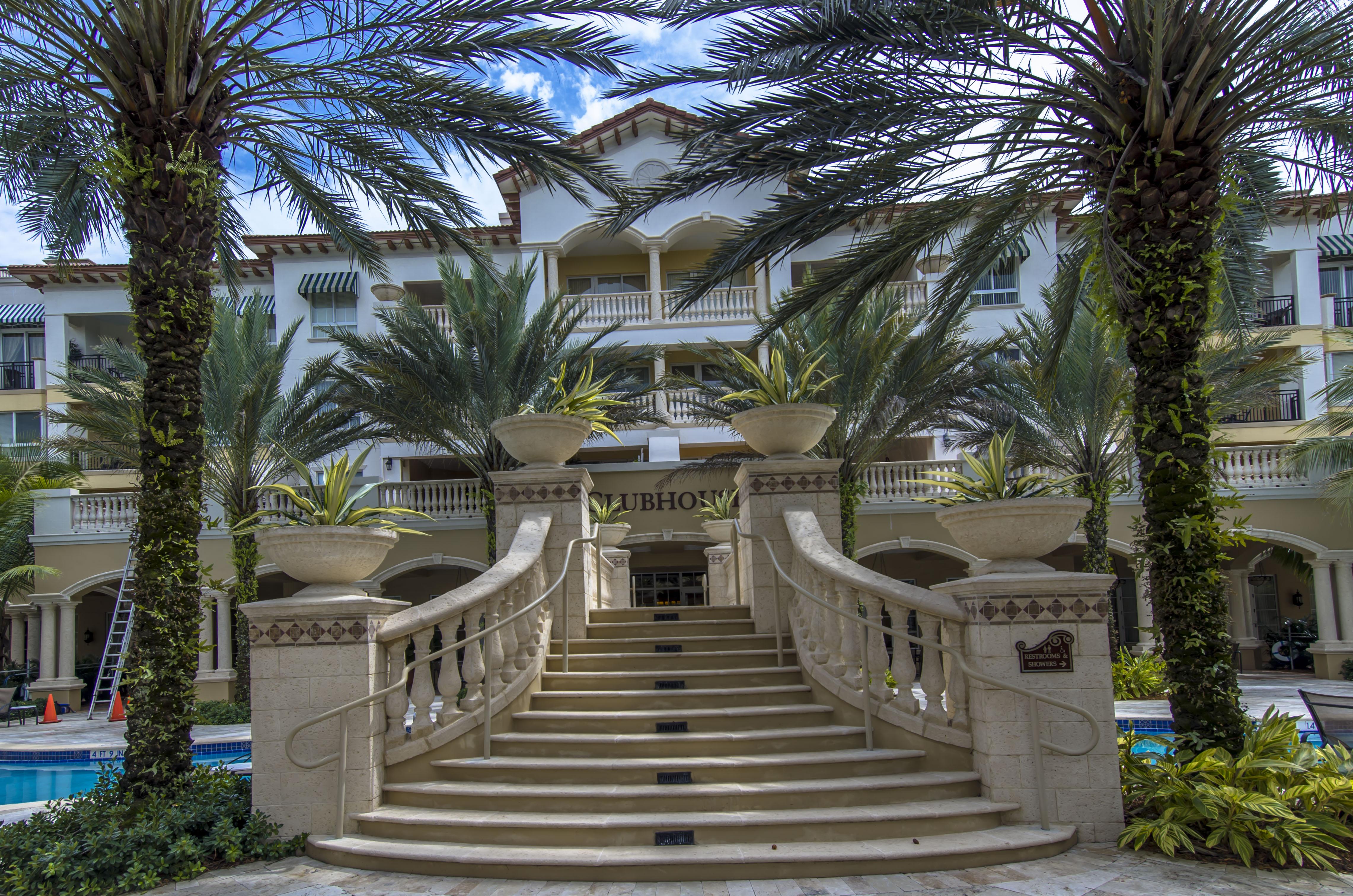 Appartement en copropriété pour l Vente à 16101 Emerald Estates Dr #141 16101 Emerald Estates Dr 141 Weston, Florida, 33331 États-Unis