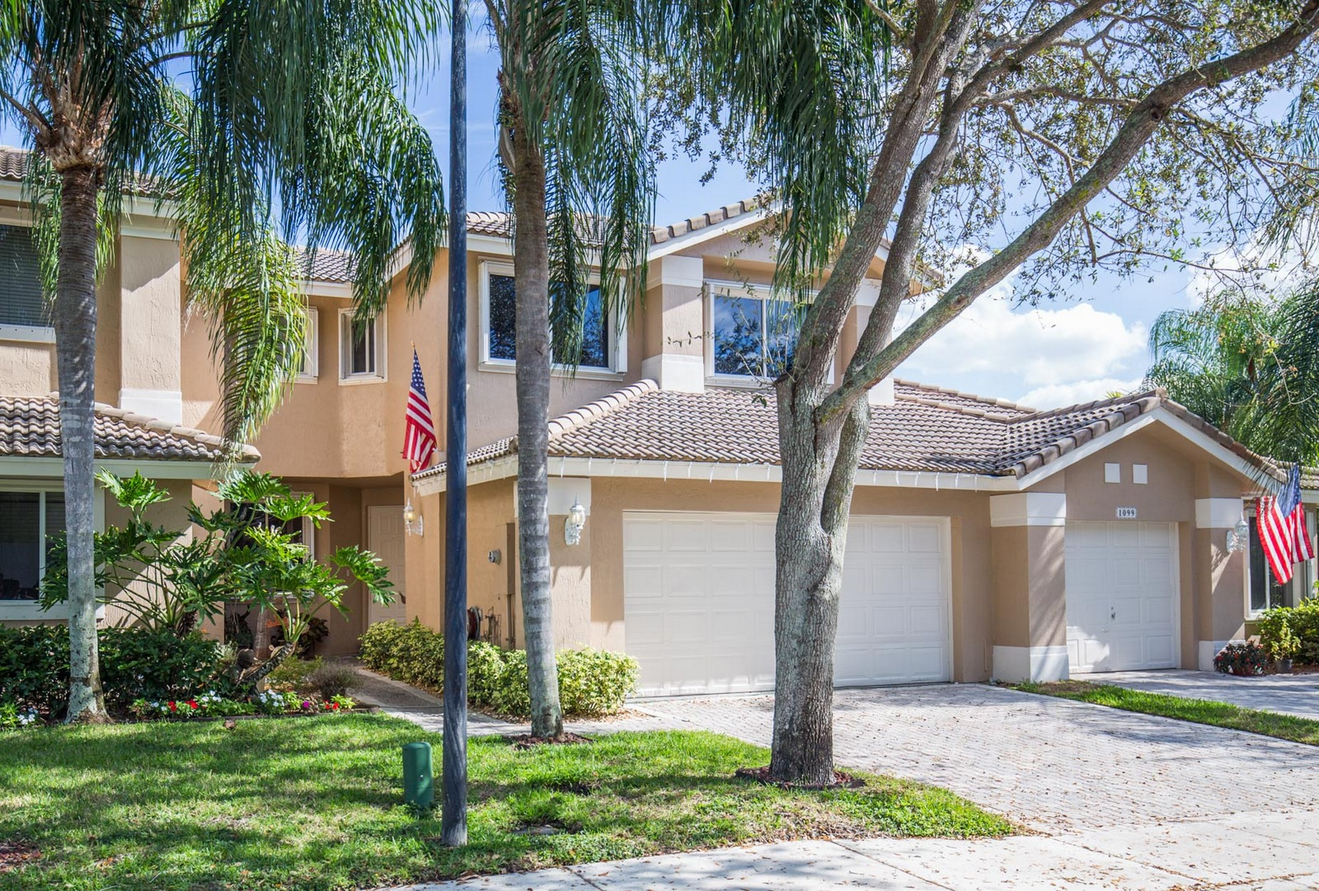 Casa unifamiliar adosada (Townhouse) por un Venta en 1087 Sw 158th Way #1087 1087 Sw 158th Way 1087 Pembroke Pines, Florida, 33027 Estados Unidos