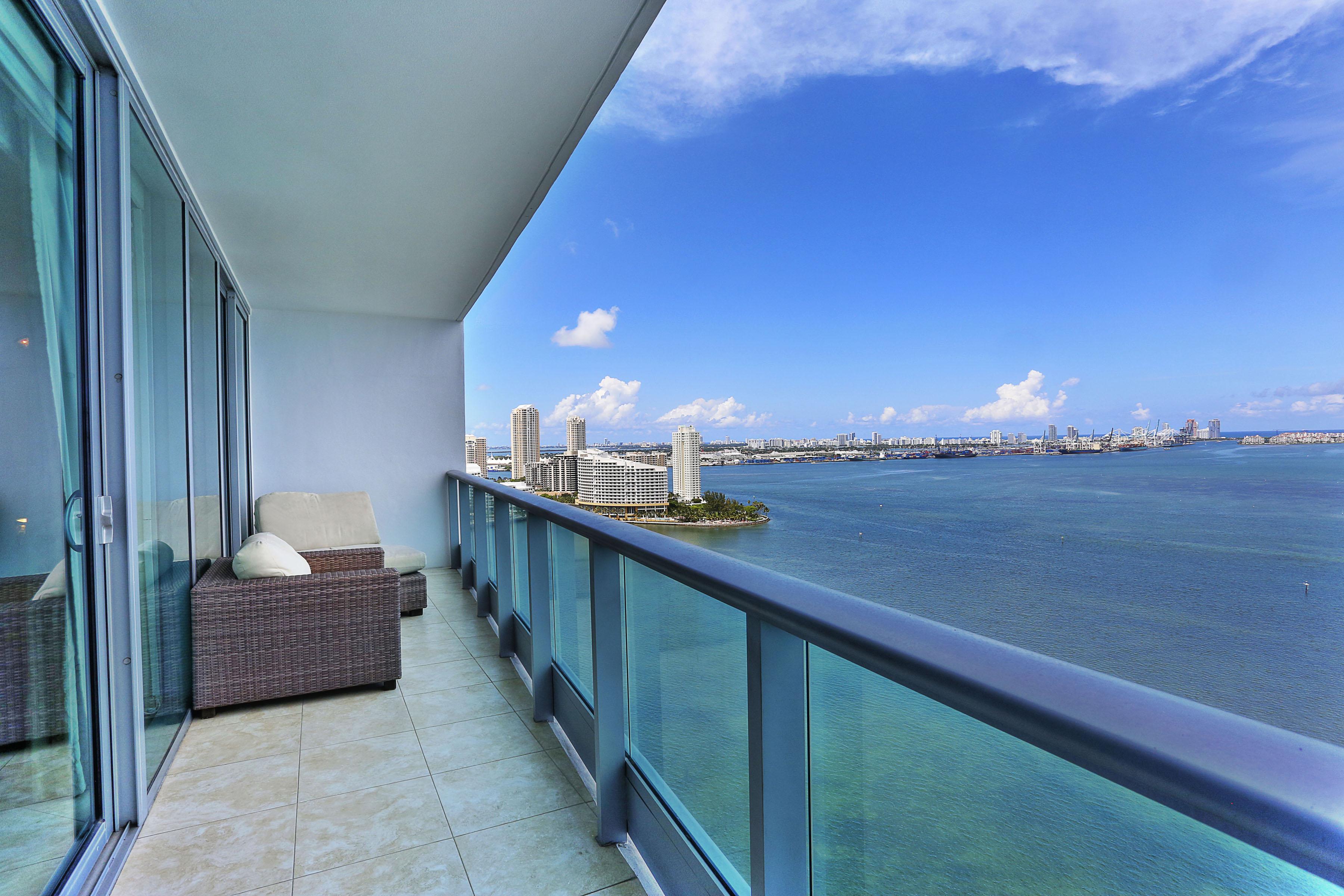 Condominium for Sale at 1331 Brickell Bay Dr #2709 1331 Brickell Bay Dr 2709 Miami, Florida, 33131 United States