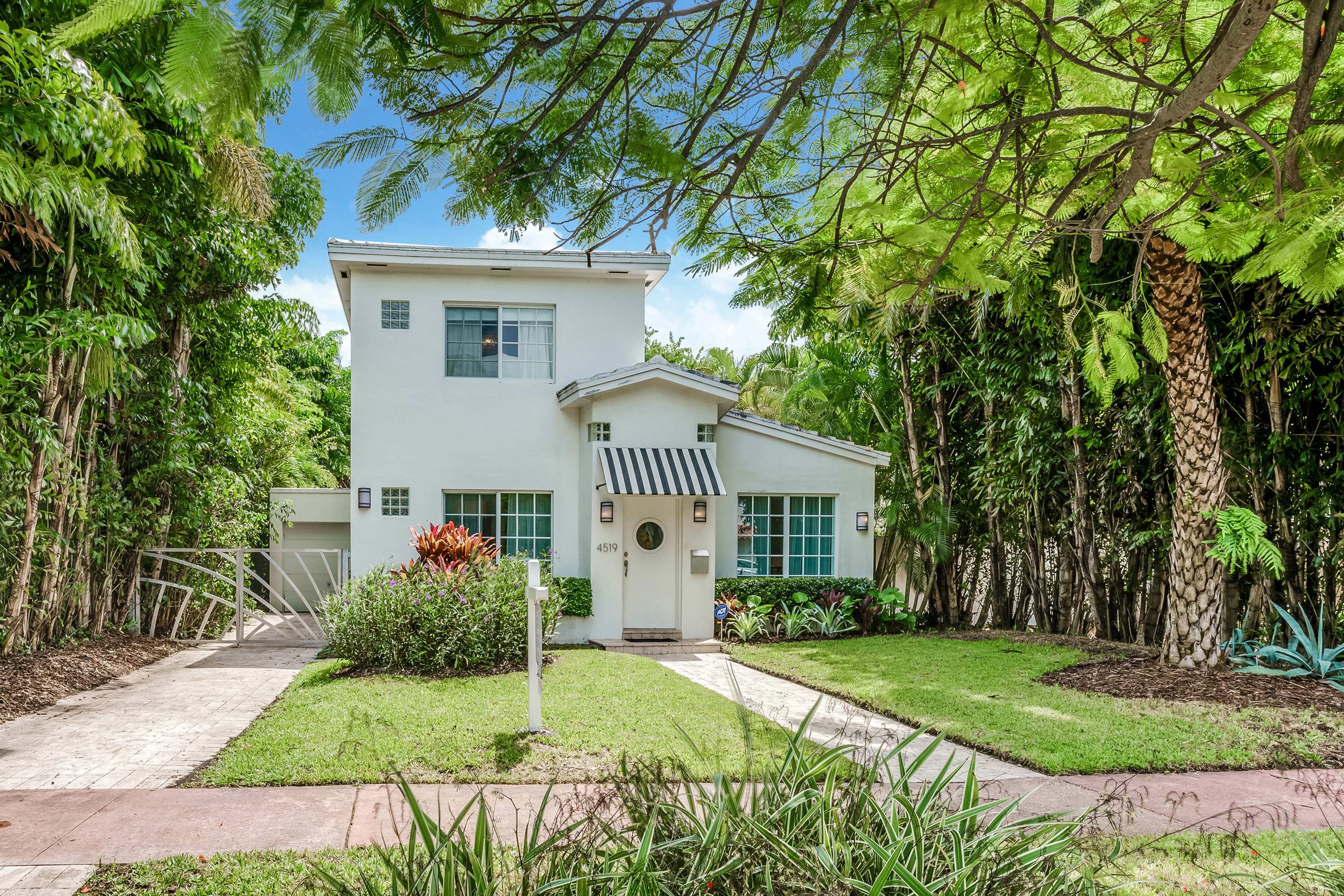 Single Family Home for Sale at 4519 Royal Palm Ave Miami Beach, Florida, 33140 United States