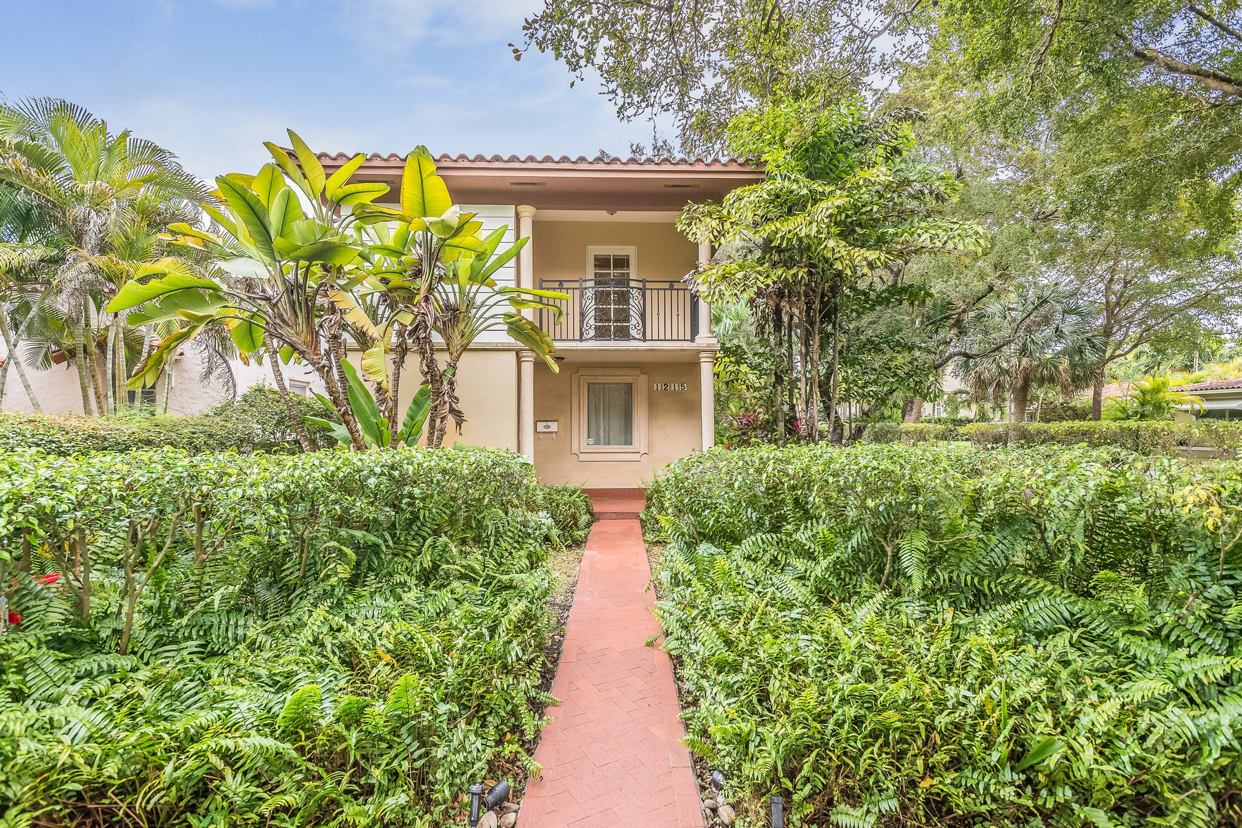sales property at 1215 Pizarro St