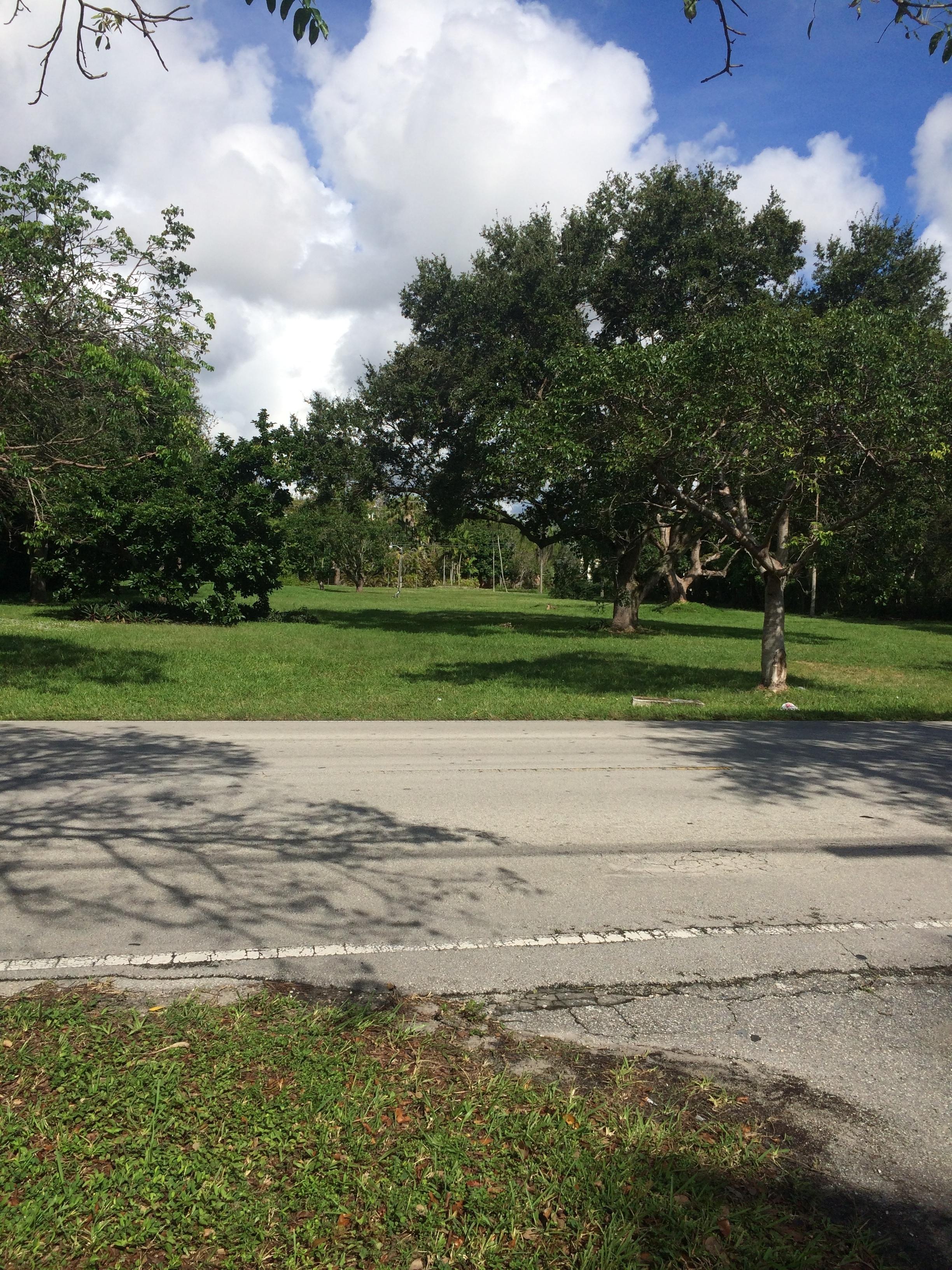 土地 为 销售 在 7487 Sw 104 St 派恩克雷斯特, 佛罗里达州, 33156 美国
