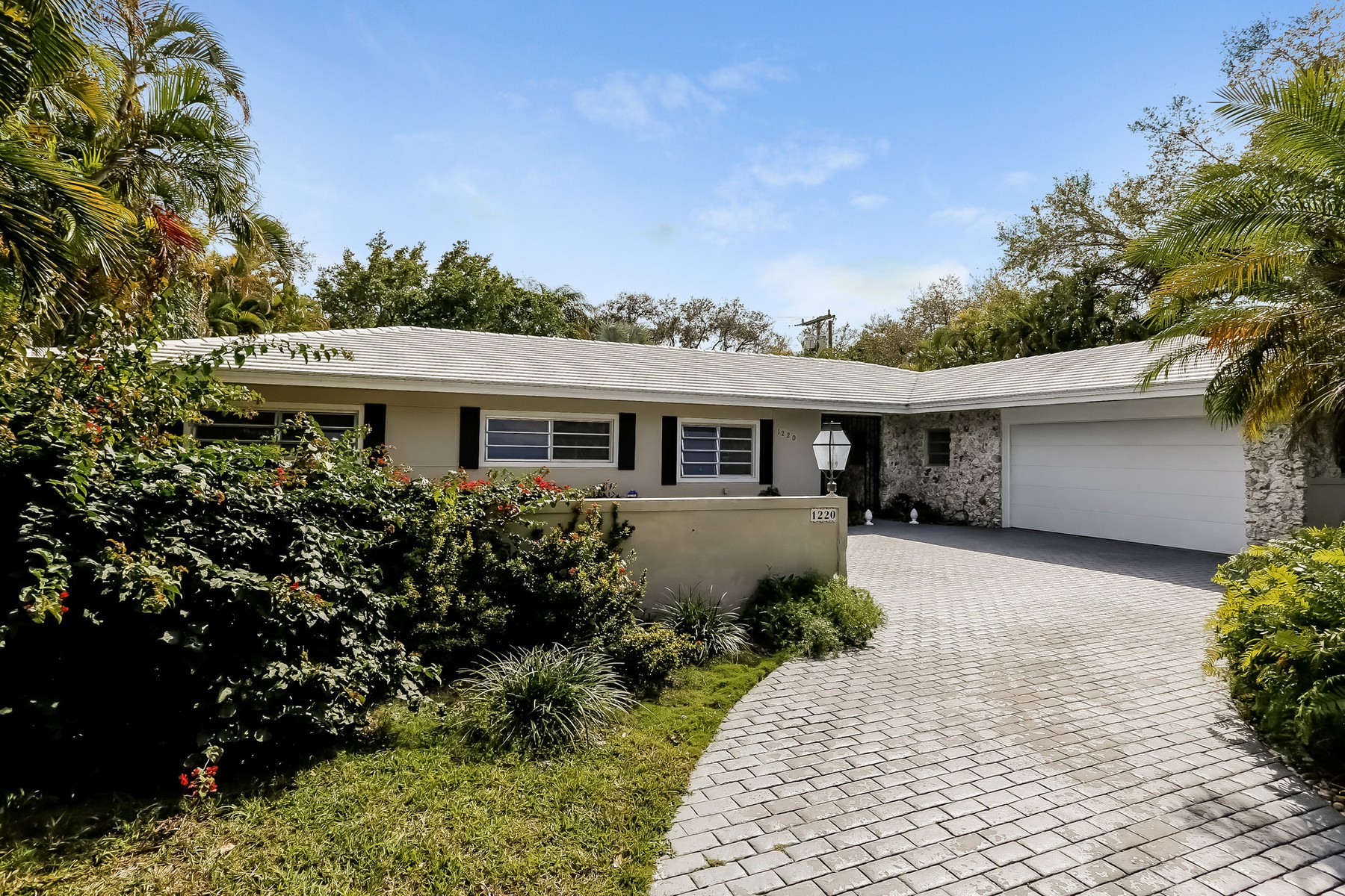Single Family Home for Sale at 1220 Hardee Rd Coral Gables, Florida, 33146 United States
