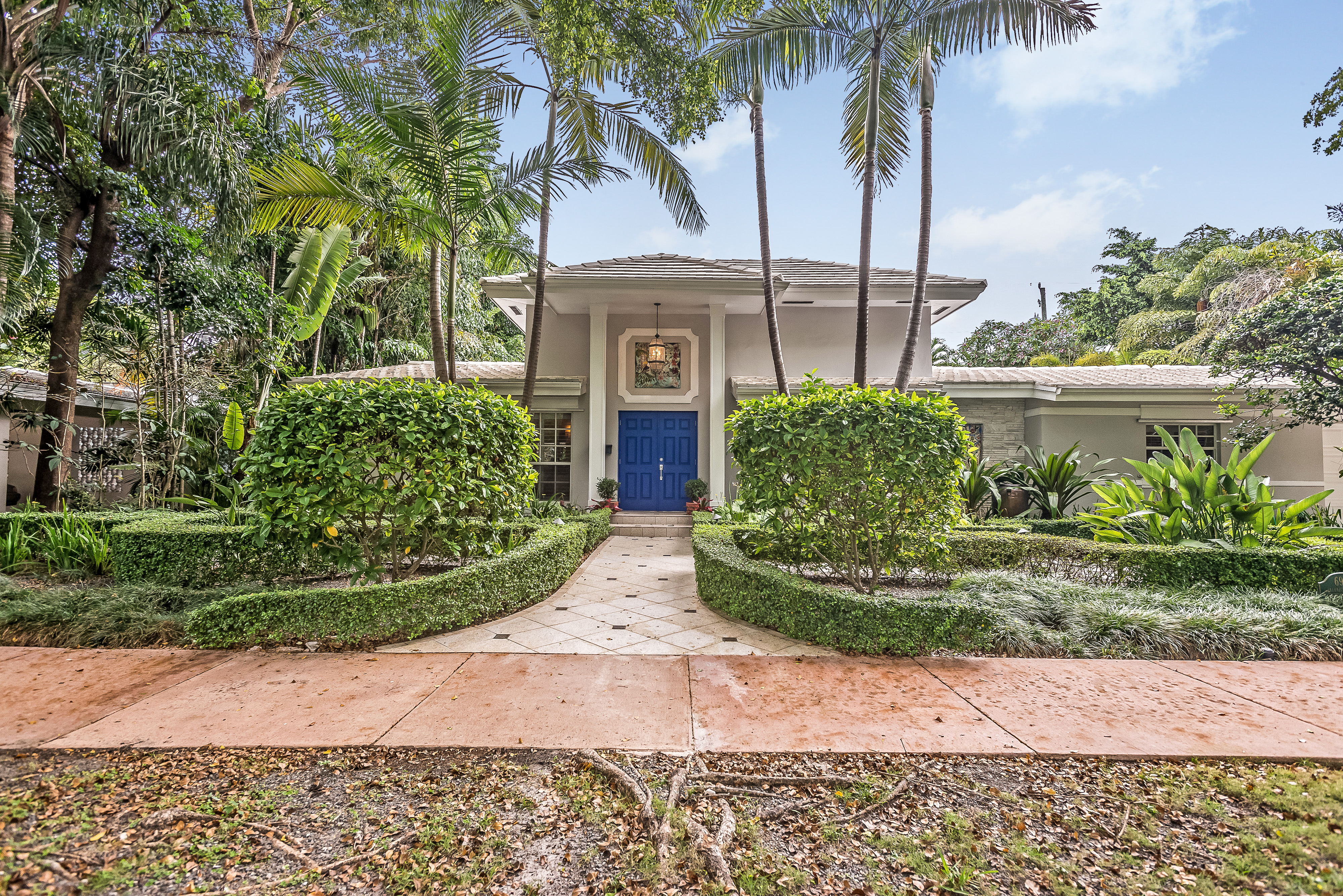 Single Family Home for Sale at 6906 Pallazzo St Coral Gables, Florida, 33146 United States