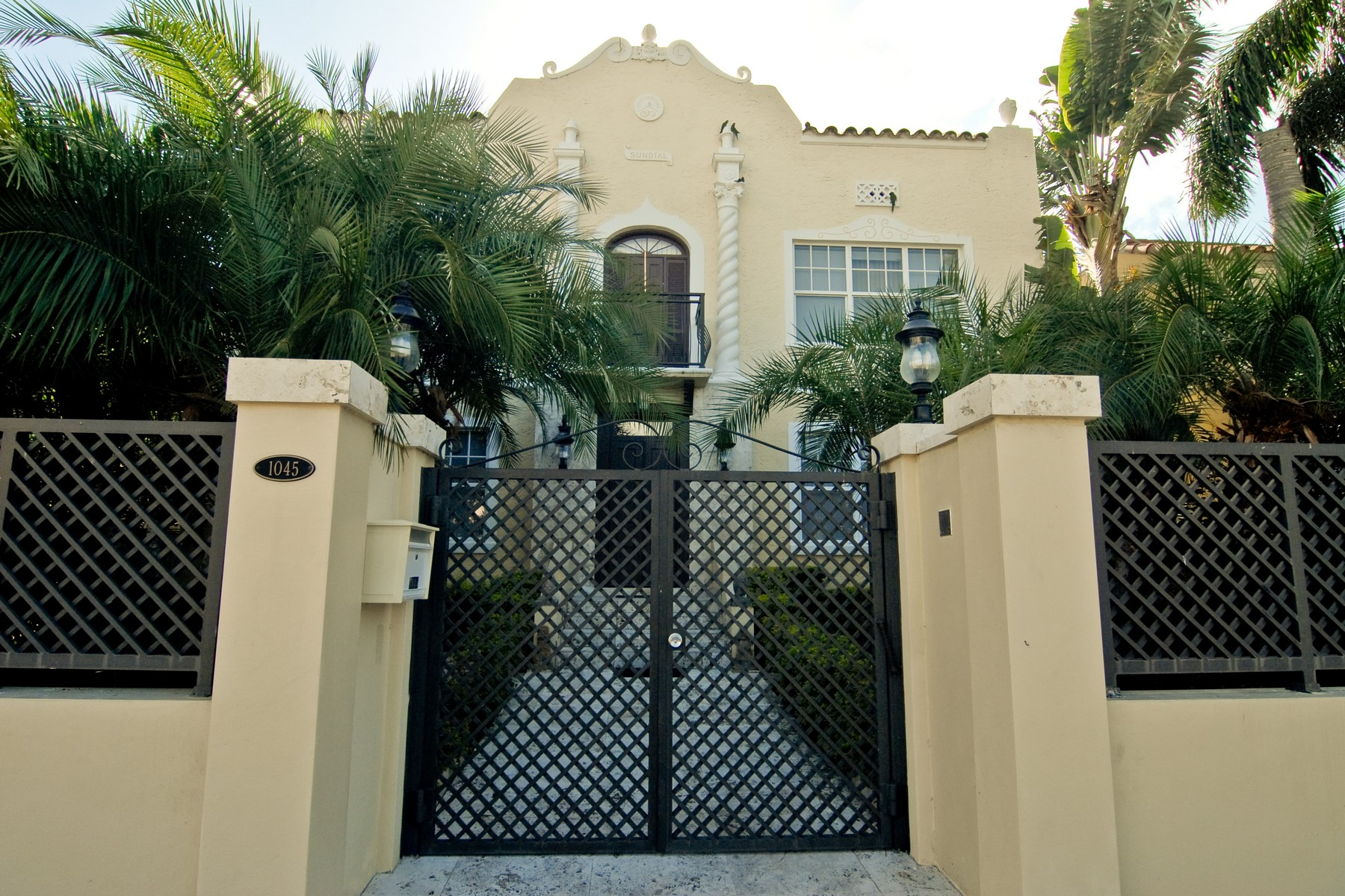 Single Family Home for Sale at 1045 Pennsylvania Avenue Miami Beach, Florida, 33139 United States