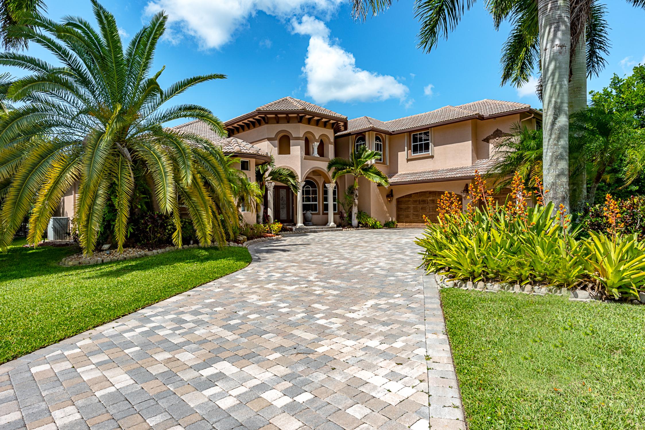 Casa Unifamiliar por un Venta en 2529 Sanctuary Dr Weston, Florida, 33327 Estados Unidos