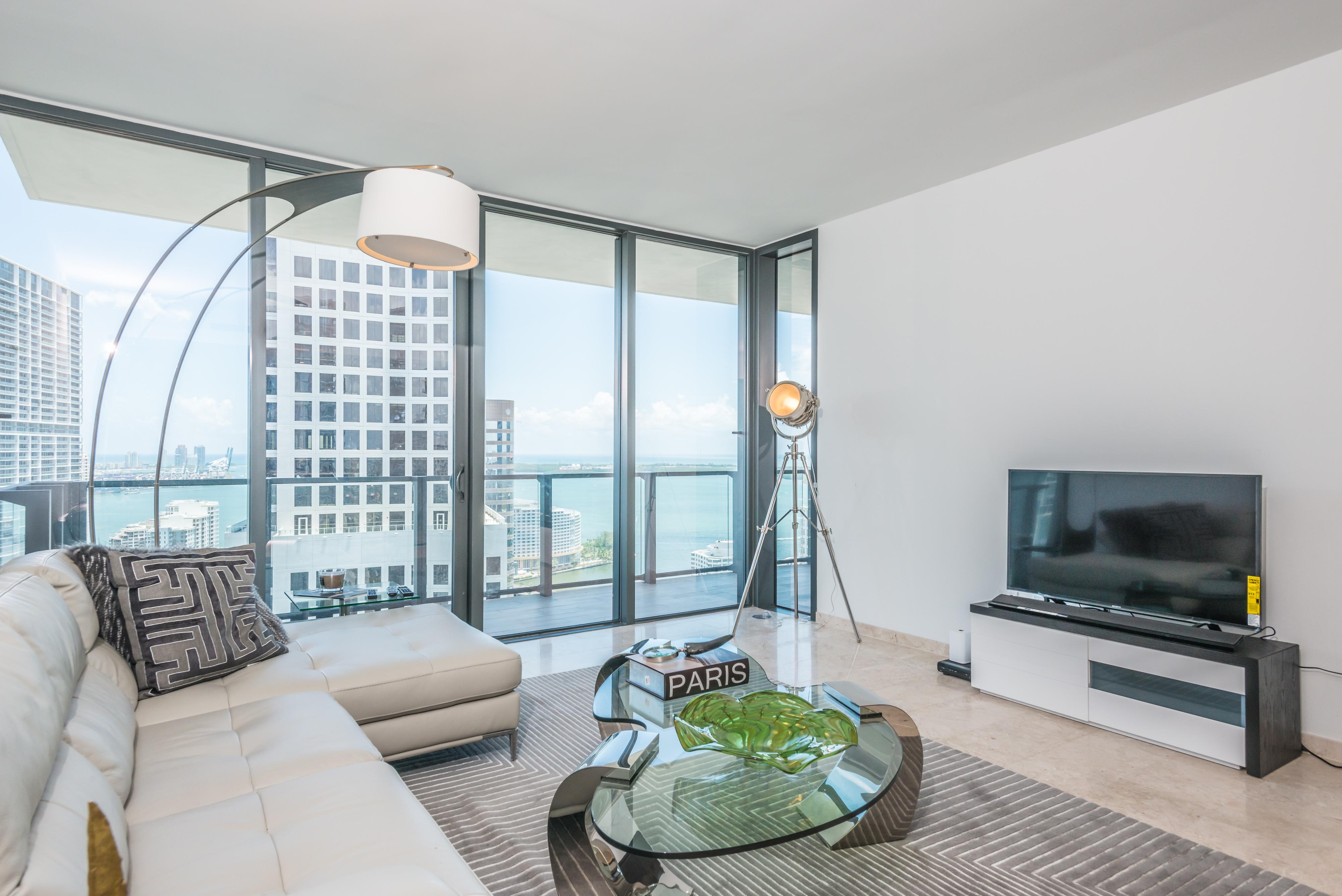 Condominium for Sale at 68 Se 6 St #3403 68 Se 6 St 3403 Miami, Florida, 33131 United States