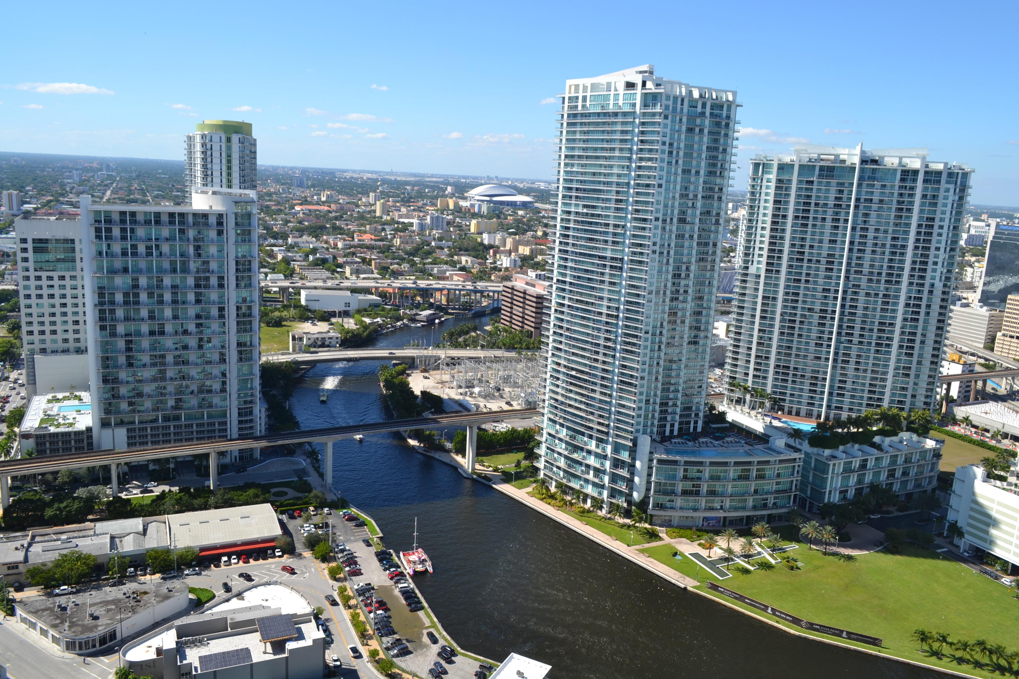 Condominium for Sale at 68 Se 6 Street #3606 68 Se 6 Street 3606 Miami, Florida, 33131 United States