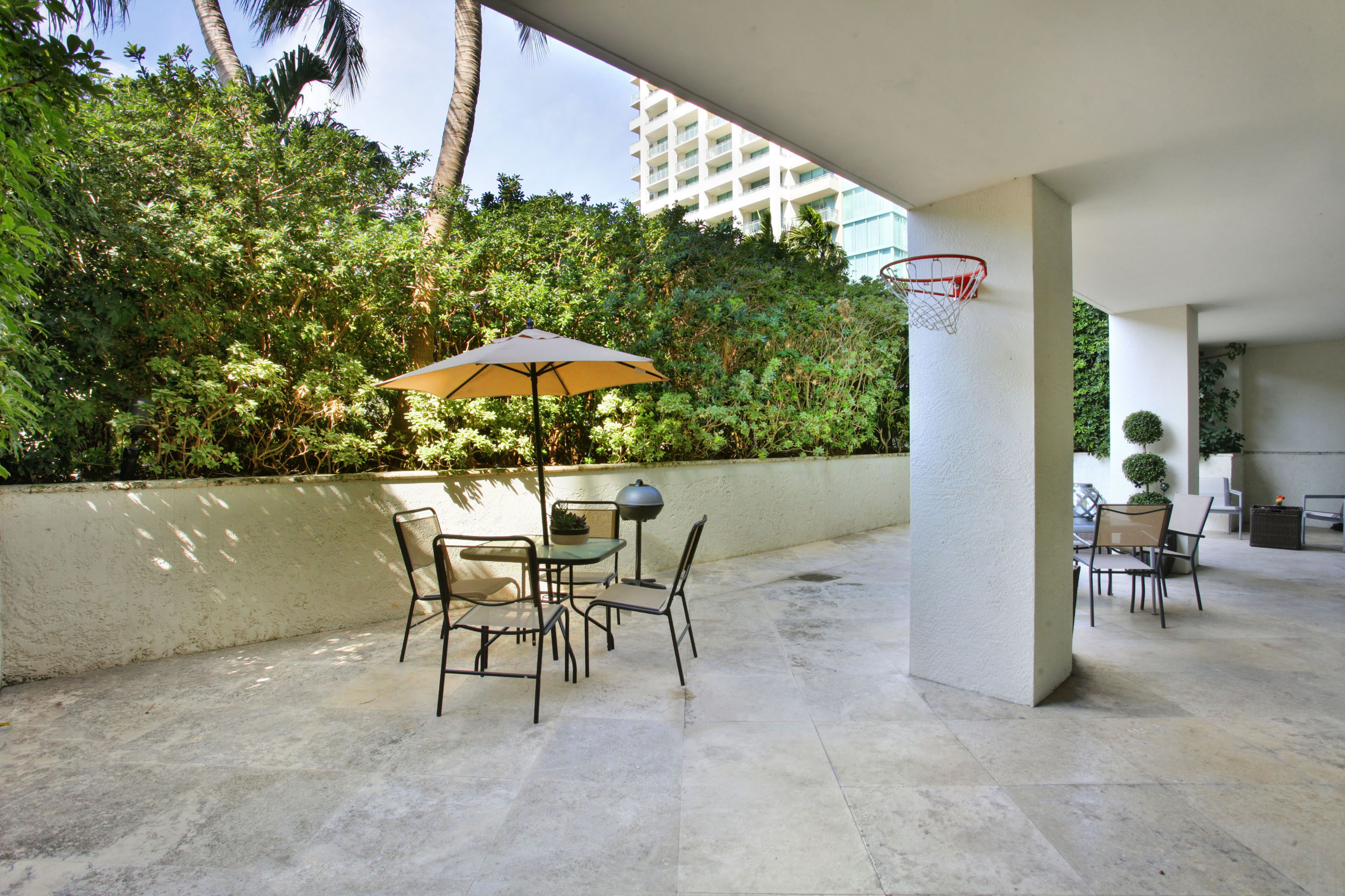 Condominium for Sale at 3400 Sw 27 Av #207 3400 Sw 27 Av 207 Coconut Grove, Florida, 33133 United States