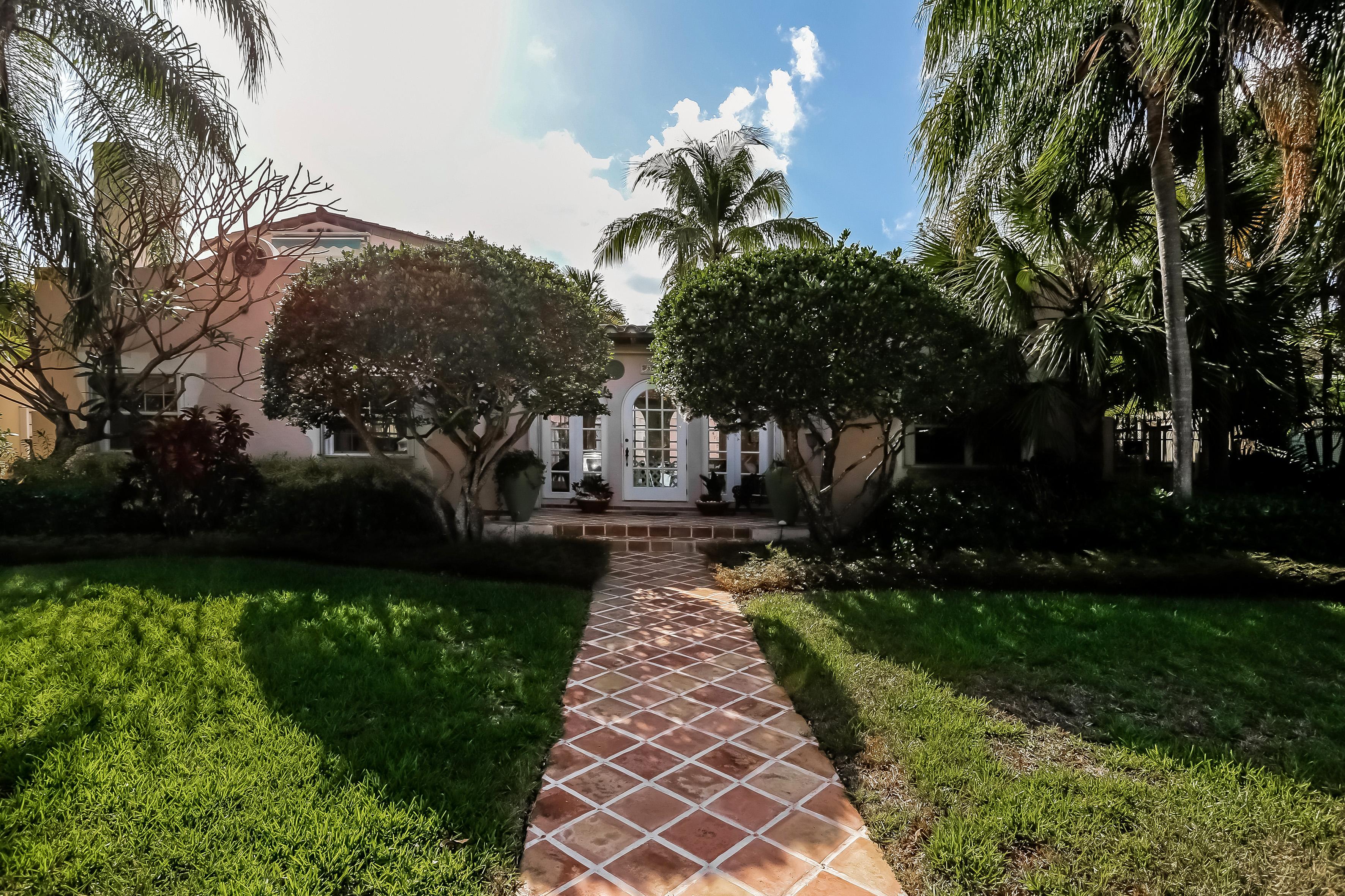 Single Family Home for Sale at 3538 Flamingo Dr Miami Beach, Florida, 33140 United States