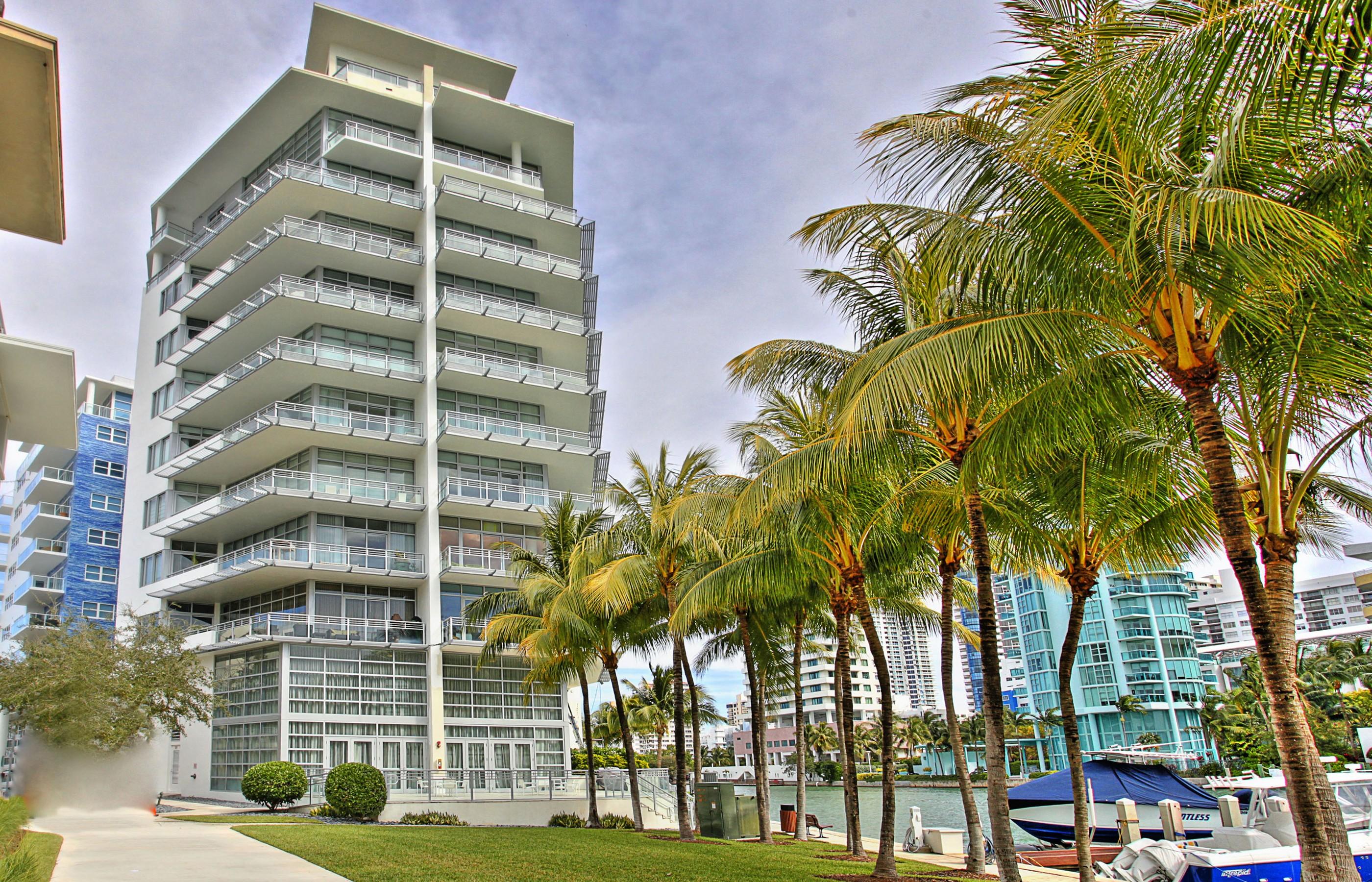 Condominio per Vendita alle ore 6101 Aqua Ave #301 6101 Aqua Ave 301 Miami Beach, Florida, 33141 Stati Uniti